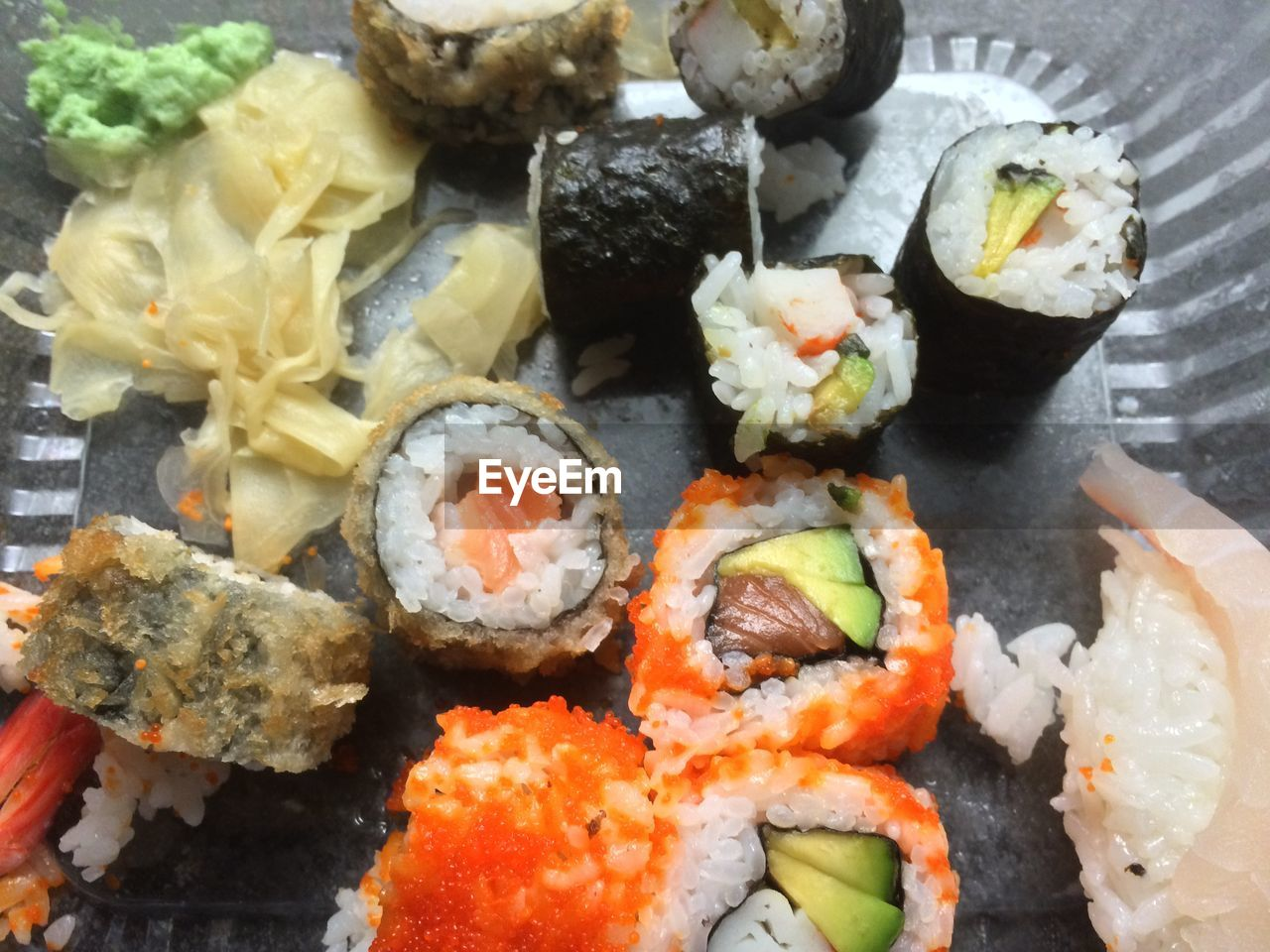 food and drink, food, freshness, seafood, sushi, japanese food, healthy eating, ready-to-eat, rice - food staple, serving size, no people, close-up, indoors, slice, salmon, sashimi, day