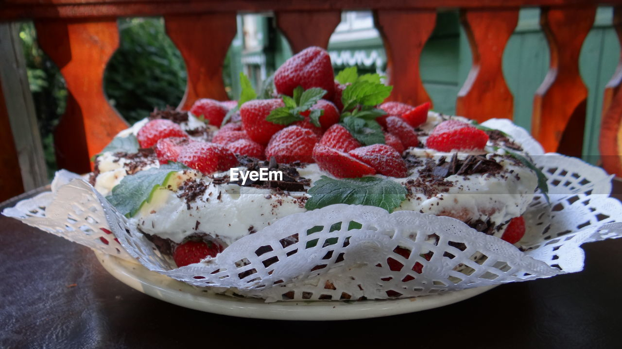 food and drink, food, freshness, strawberry, close-up, berry fruit, red, fruit, ready-to-eat, healthy eating, indoors, still life, indulgence, focus on foreground, no people, cake, wellbeing, sweet food, sweet, temptation