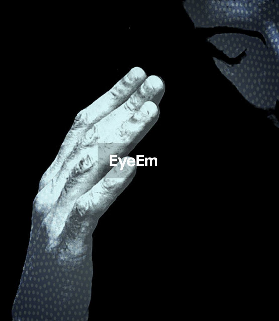 human hand, human body part, human finger, close-up, studio shot, black background, one person, day, people