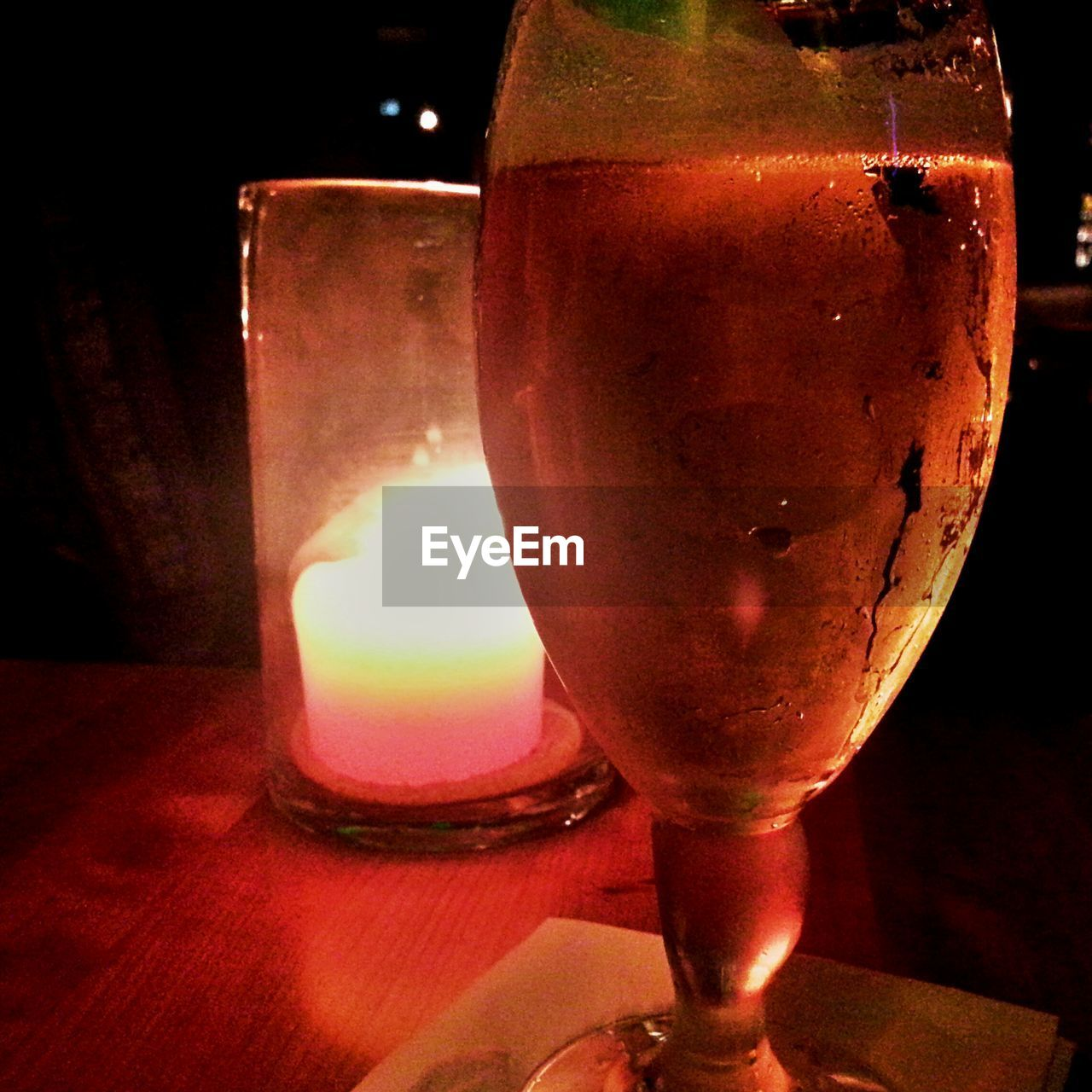 drink, drinking glass, alcohol, table, refreshment, food and drink, close-up, beer, alcoholic drink, indoors, beer glass, no people, freshness, illuminated, night, frothy drink
