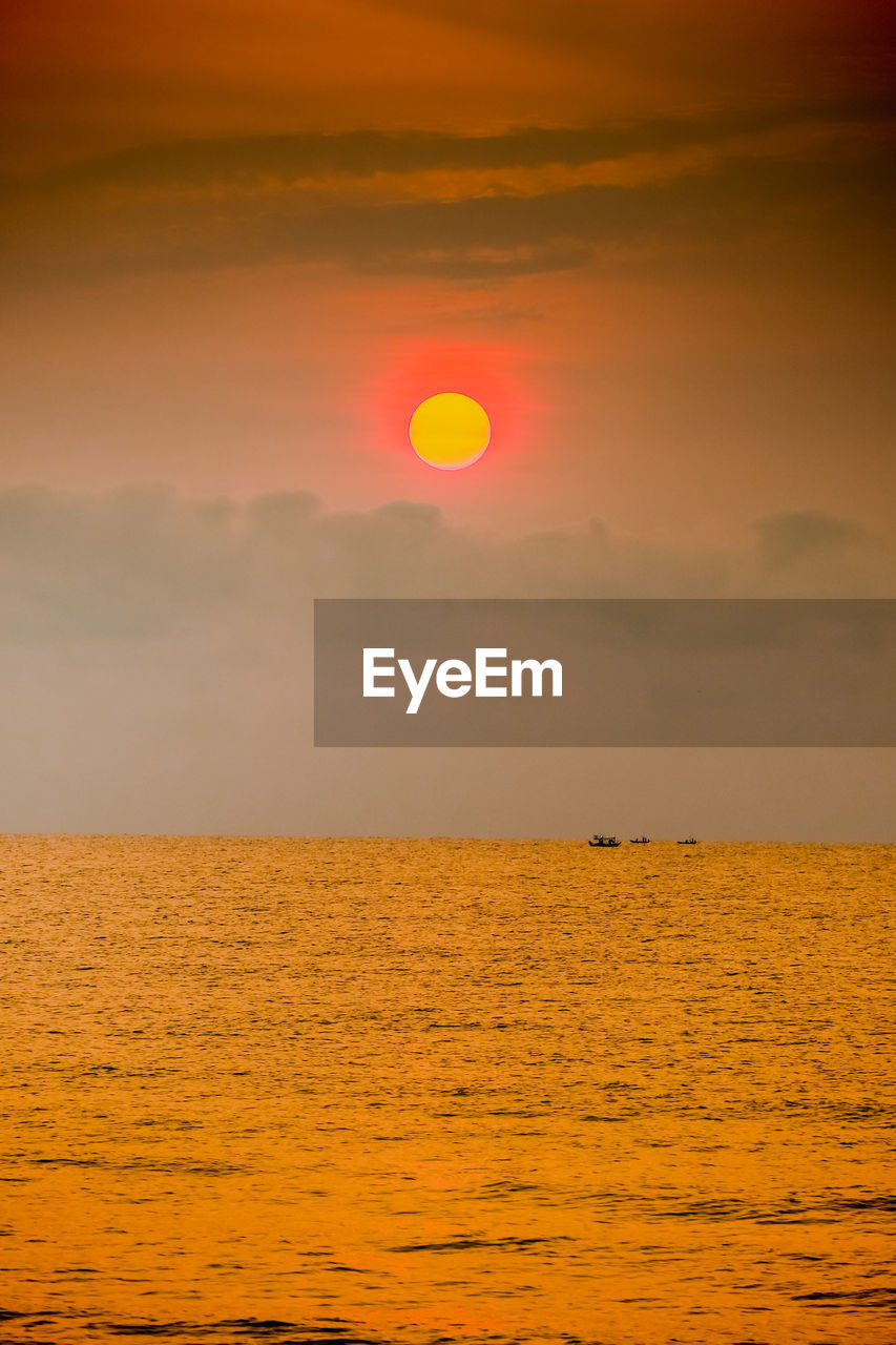 sky, sunset, scenics - nature, beauty in nature, sea, water, cloud - sky, sun, horizon over water, tranquil scene, horizon, orange color, tranquility, waterfront, idyllic, nature, non-urban scene, no people, outdoors