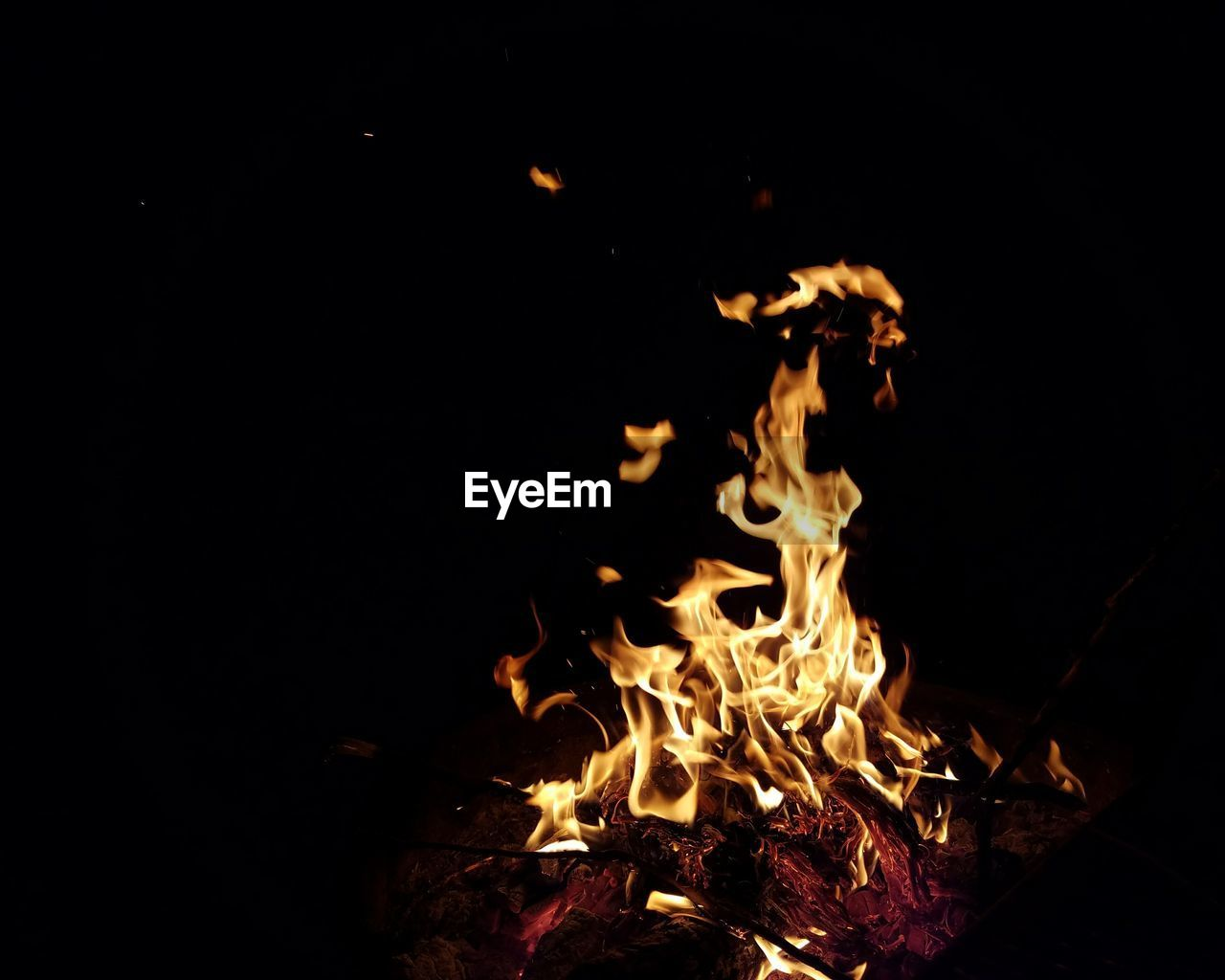 night, burning, no people, heat - temperature, flame, outdoors, close-up, bonfire, nature