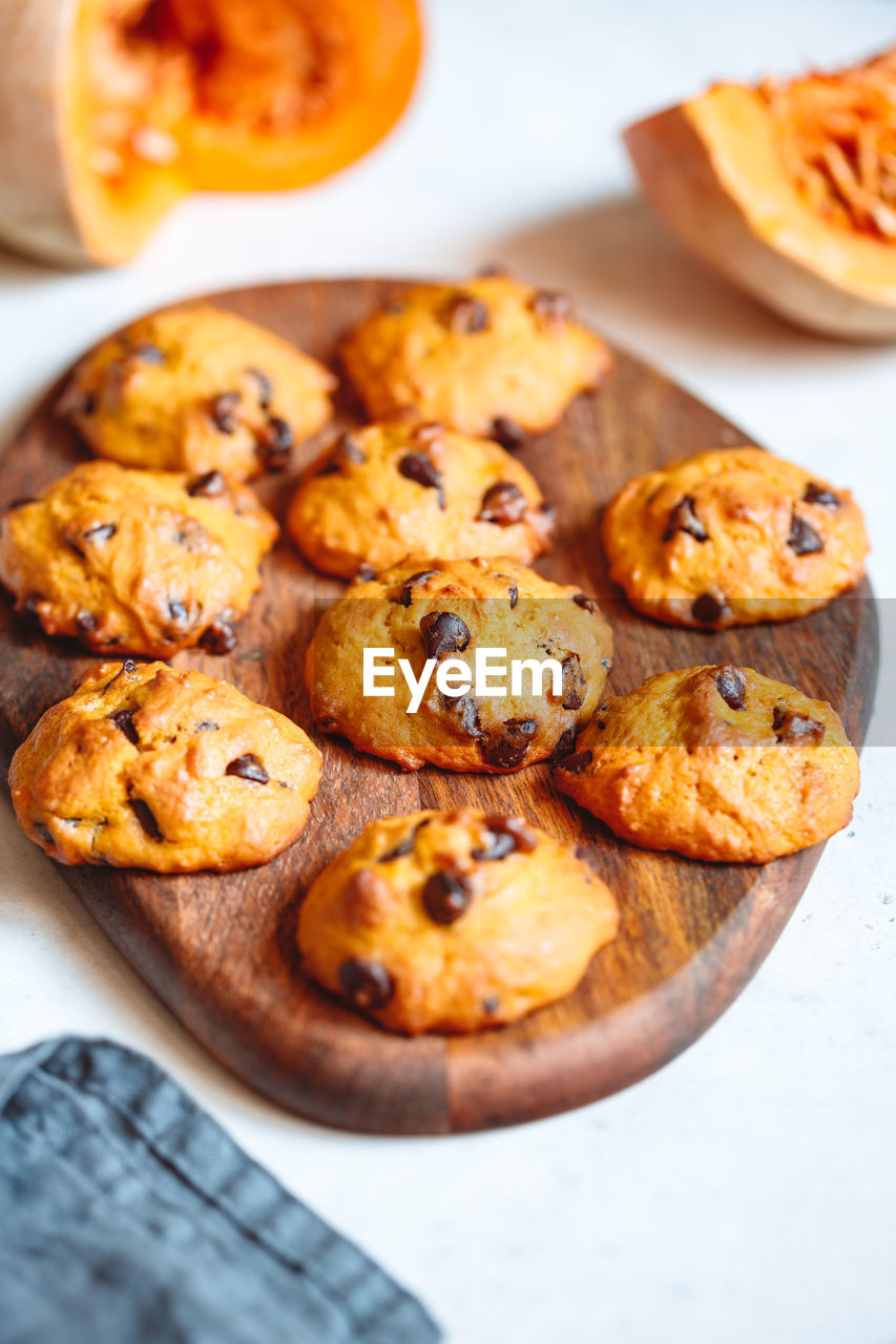 food and drink, food, freshness, sweet food, baked, indoors, ready-to-eat, still life, close-up, no people, indulgence, temptation, selective focus, high angle view, table, sweet, cookie, unhealthy eating, dessert, snack, comfort food