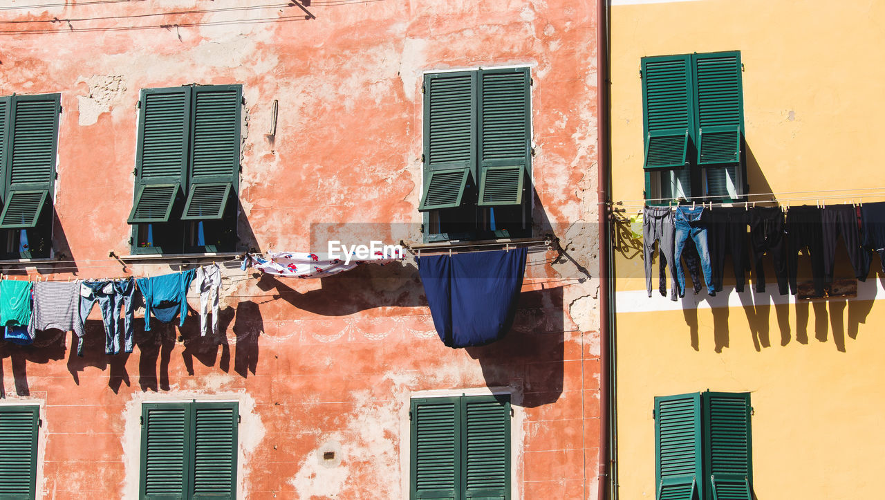 Clothes drying against buildings