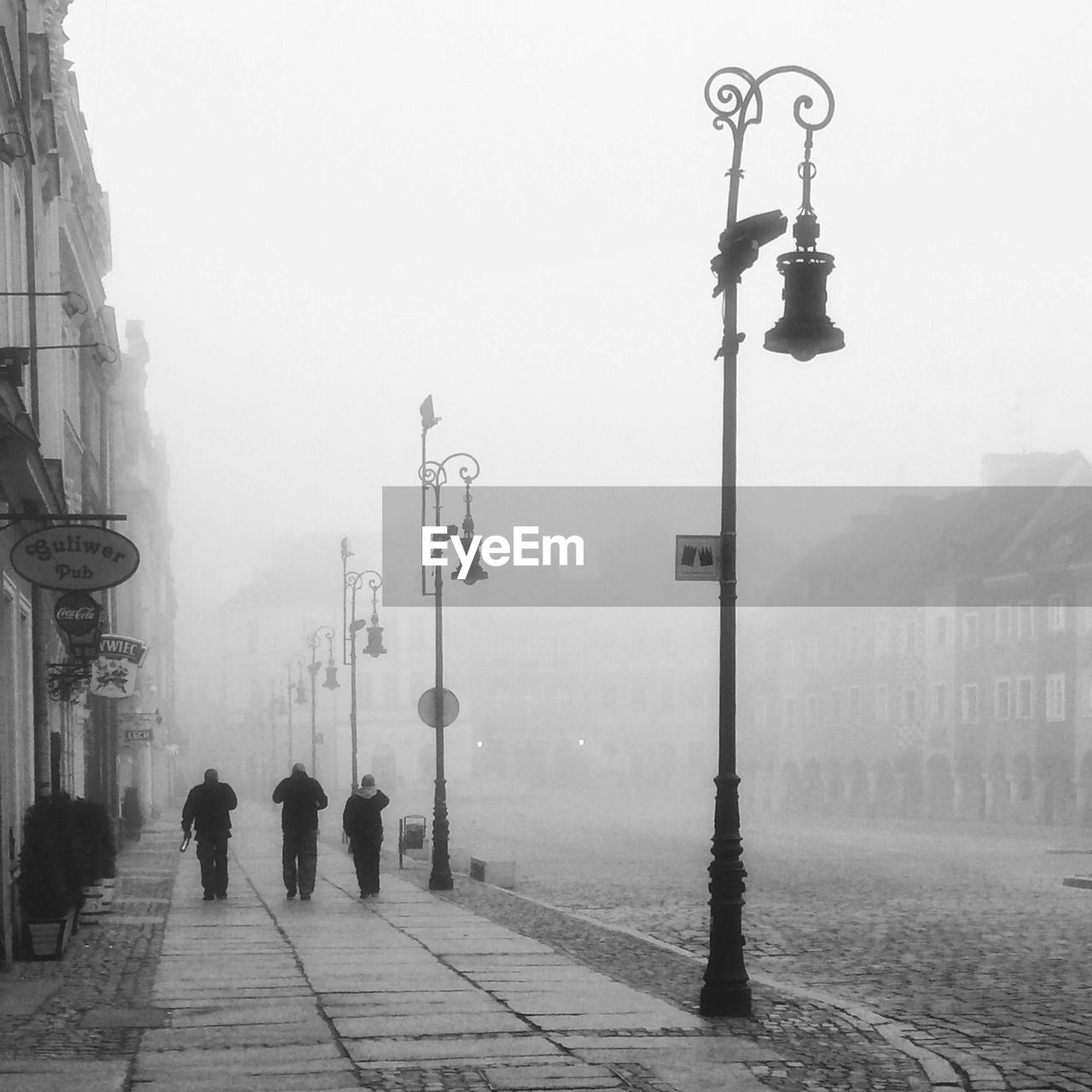 STREET LIGHTS IN CITY