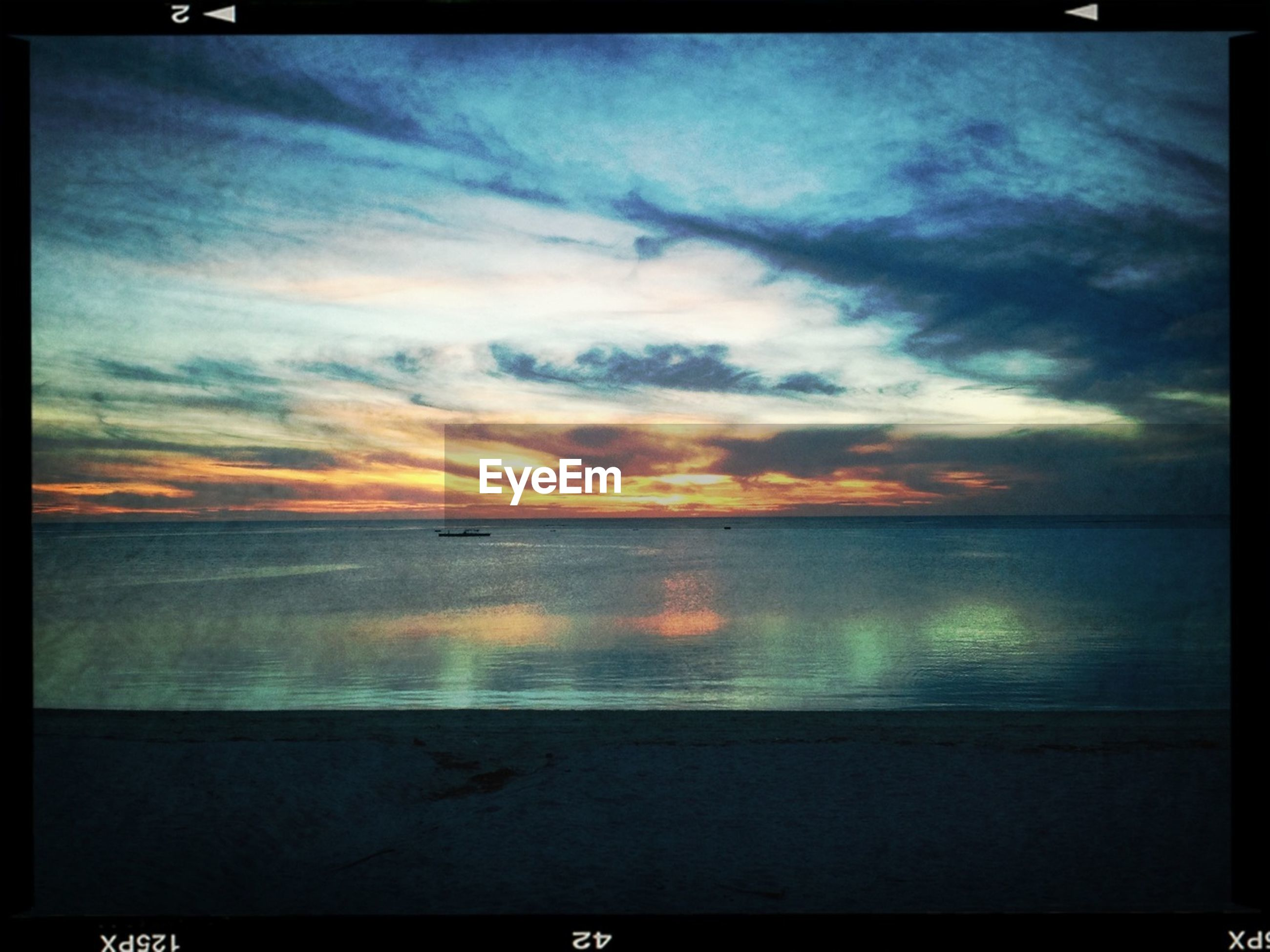 transfer print, sea, horizon over water, water, sunset, sky, scenics, auto post production filter, tranquil scene, beauty in nature, tranquility, cloud - sky, beach, nature, shore, idyllic, cloudy, cloud, dramatic sky, orange color