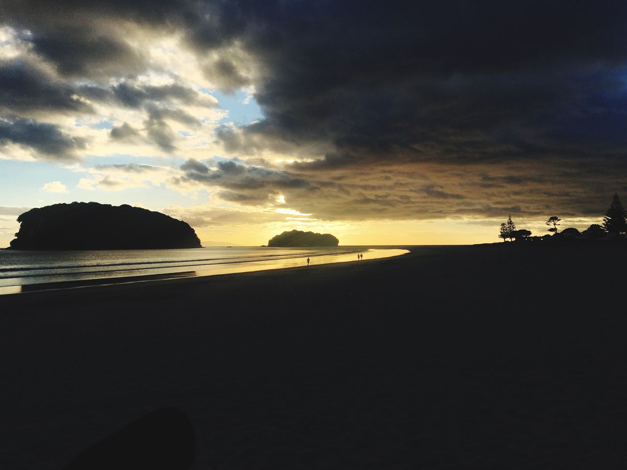 sunset, sky, nature, tranquility, scenics, beauty in nature, tranquil scene, silhouette, cloud - sky, sea, no people, outdoors, beach, water, day
