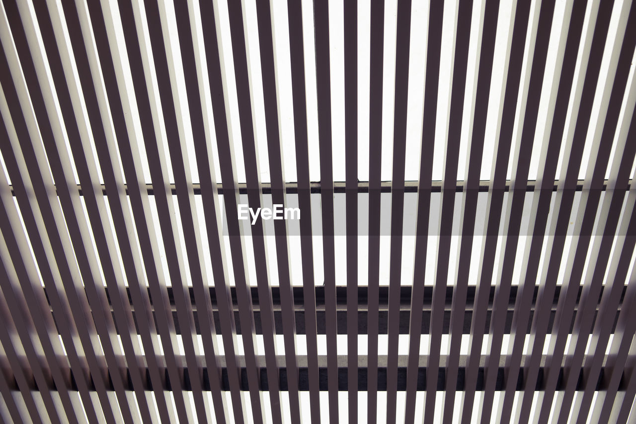 pattern, backgrounds, full frame, repetition, metal, no people, indoors, close-up, day, textured, architectural design, architecture, line, brushed metal