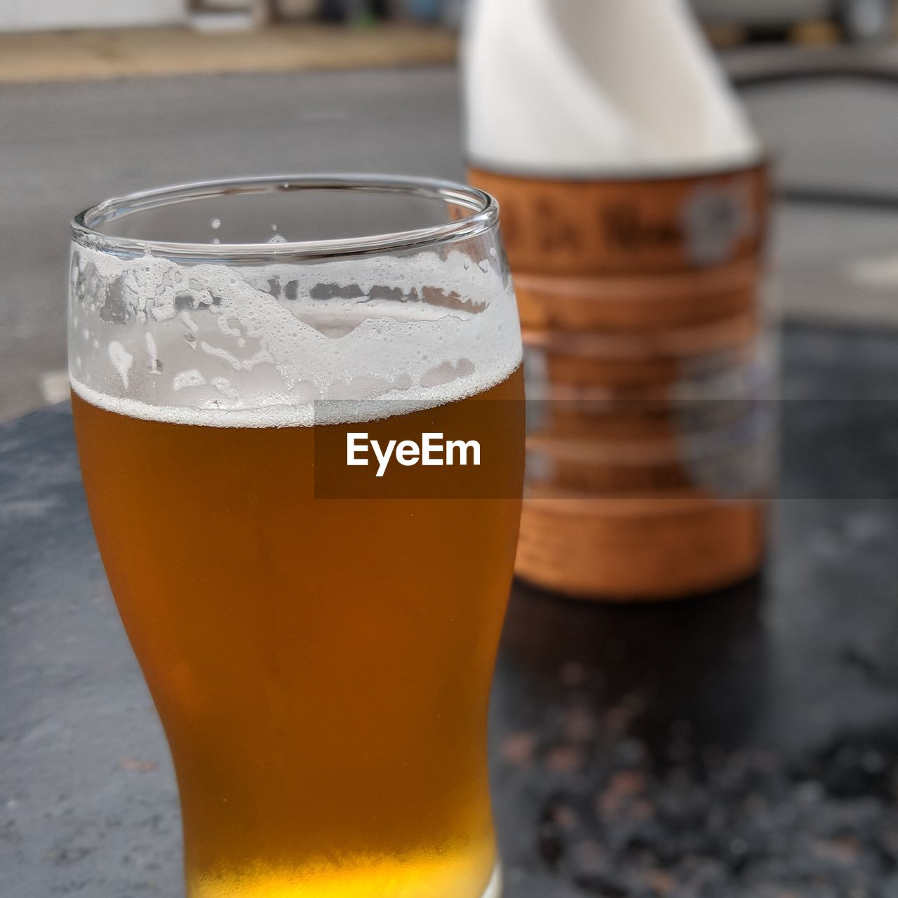drink, refreshment, food and drink, beer, beer - alcohol, frothy drink, close-up, alcohol, beer glass, still life, drinking glass, glass, household equipment, focus on foreground, table, freshness, no people, indoors, cold temperature, transparent, pint glass, froth, craft beer