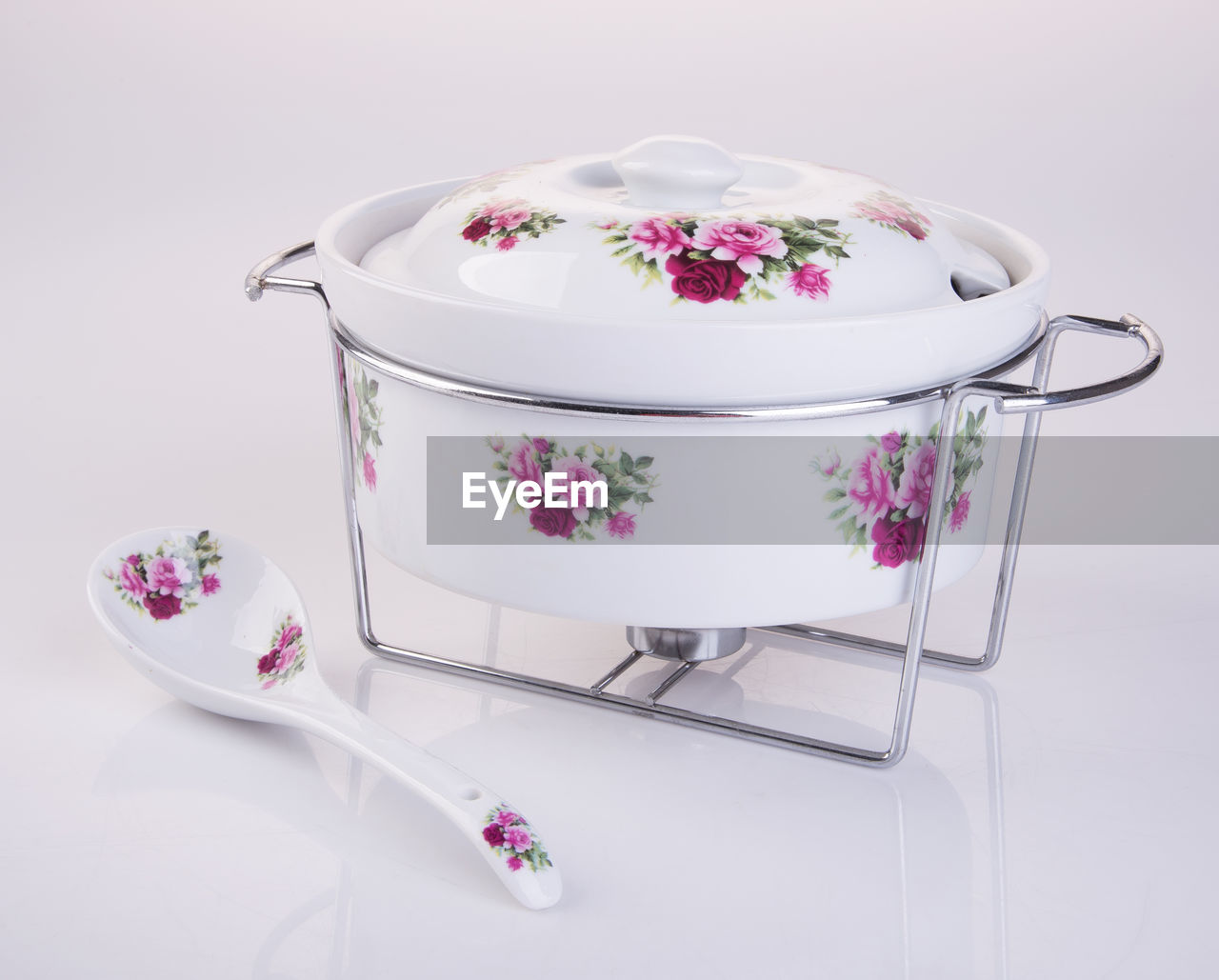 pink color, indoors, flower, no people, freshness, still life, floral pattern, flowering plant, close-up, pattern, white background, studio shot, white color, plant, cup, table, food and drink, ceramics, container, purple, crockery
