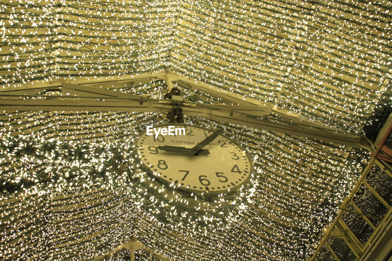 time, clock, no people, gold colored, pattern, indoors, full frame, close-up, backgrounds, built structure, architecture, instrument of time, antique, ornate, religion, wealth, watch, design, building, gold, luxury, ceiling, pocket watch, clock face