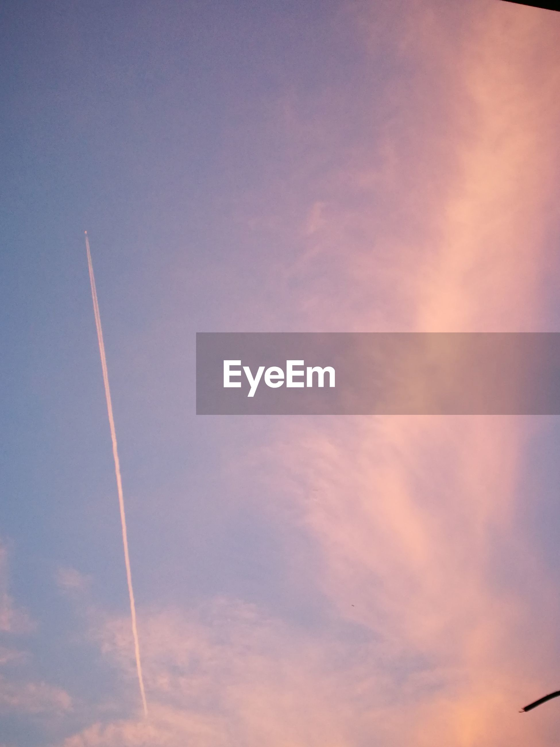 vapor trail, low angle view, no people, flying, sky, airplane, beauty in nature, contrail, outdoors, scenics, nature, day, air vehicle, fighter plane