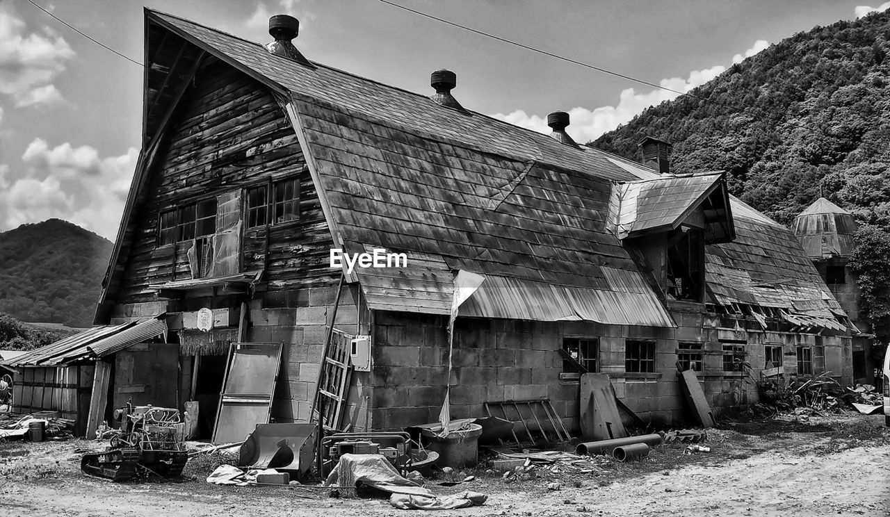 architecture, built structure, building exterior, house, day, no people, outdoors, abandoned, sky, mountain, drying, tree, nature