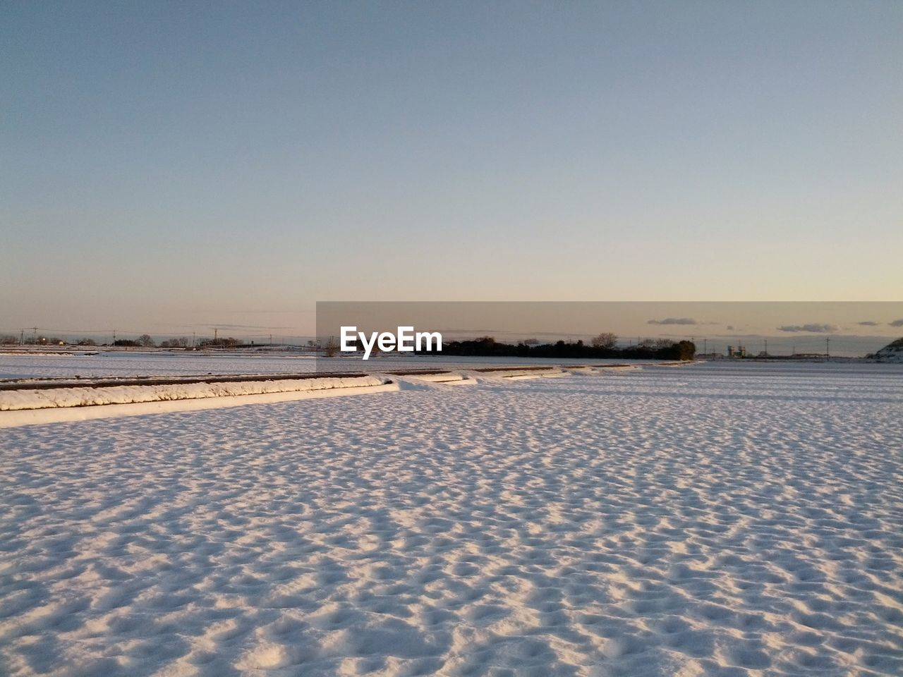winter, nature, cold temperature, snow, tranquility, outdoors, beauty in nature, tranquil scene, no people, clear sky, copy space, sand, scenics, day, water, salt - mineral, landscape, sky, salt basin