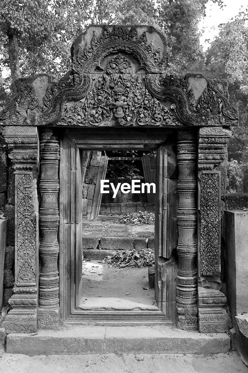 architecture, built structure, entrance, day, the past, no people, old, history, building, building exterior, door, art and craft, craft, spirituality, representation, religion, belief, place of worship, architectural column, outdoors
