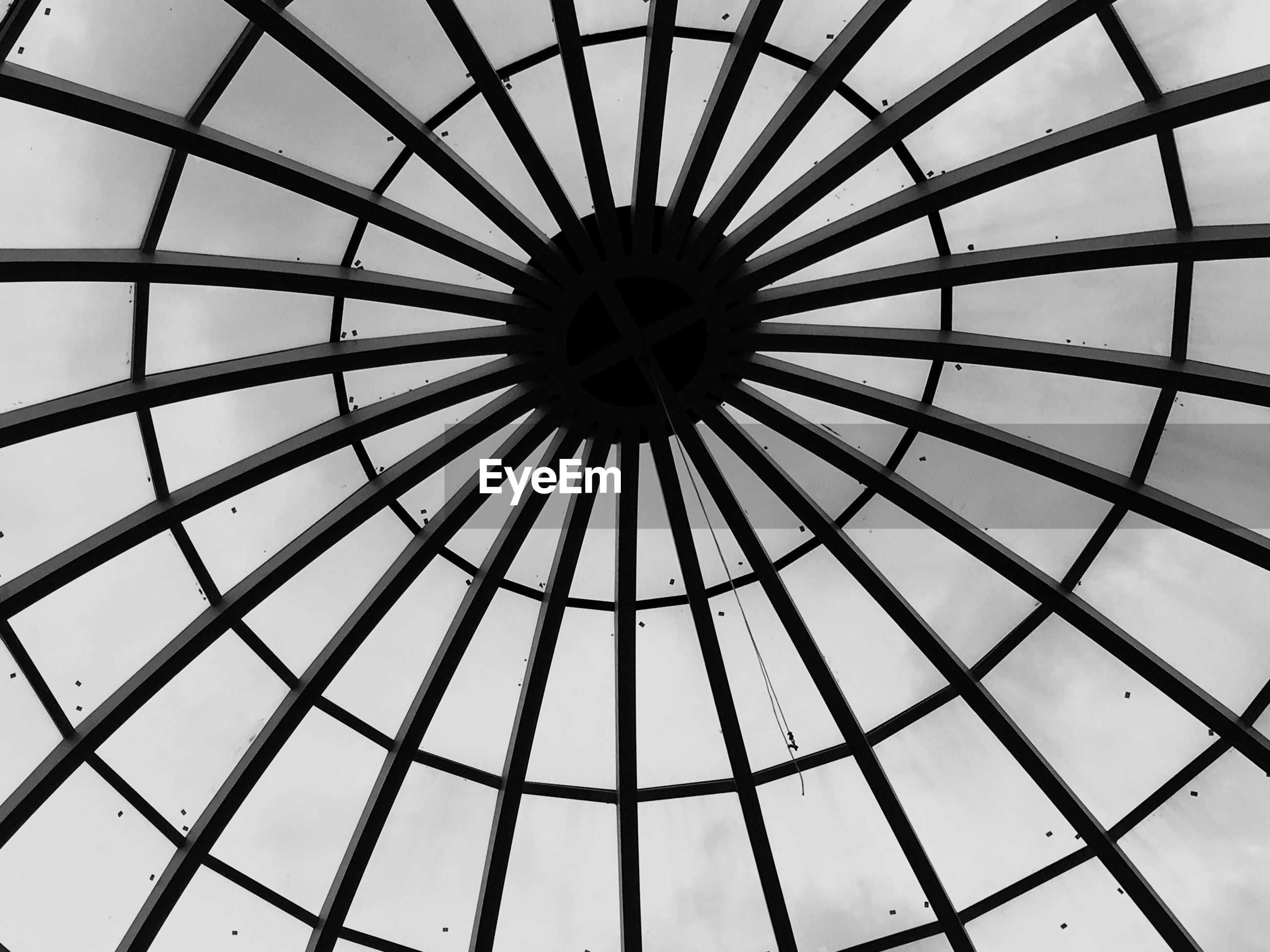 low angle view, metal, metallic, pattern, built structure, sky, directly below, backgrounds, full frame, geometric shape, architecture, ceiling, no people, day, indoors, design, ferris wheel, part of, close-up