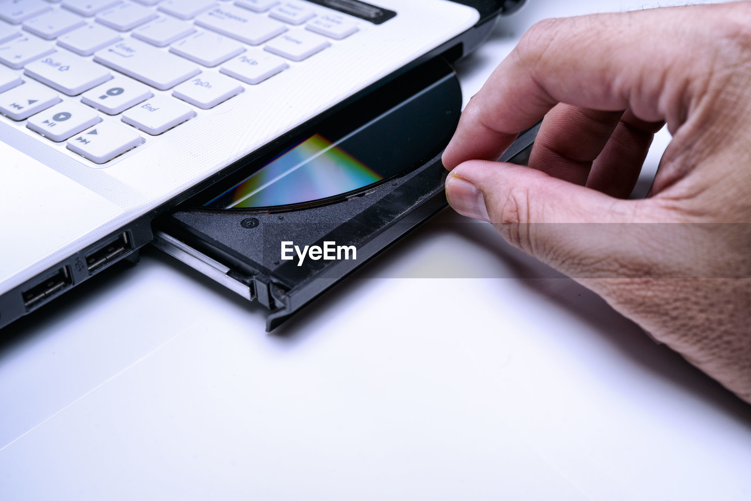 human hand, computer, technology, hand, human body part, computer equipment, communication, connection, body part, wireless technology, keyboard, one person, laptop, portable information device, computer keyboard, real people, finger, indoors, human finger, surfing the net, computer key