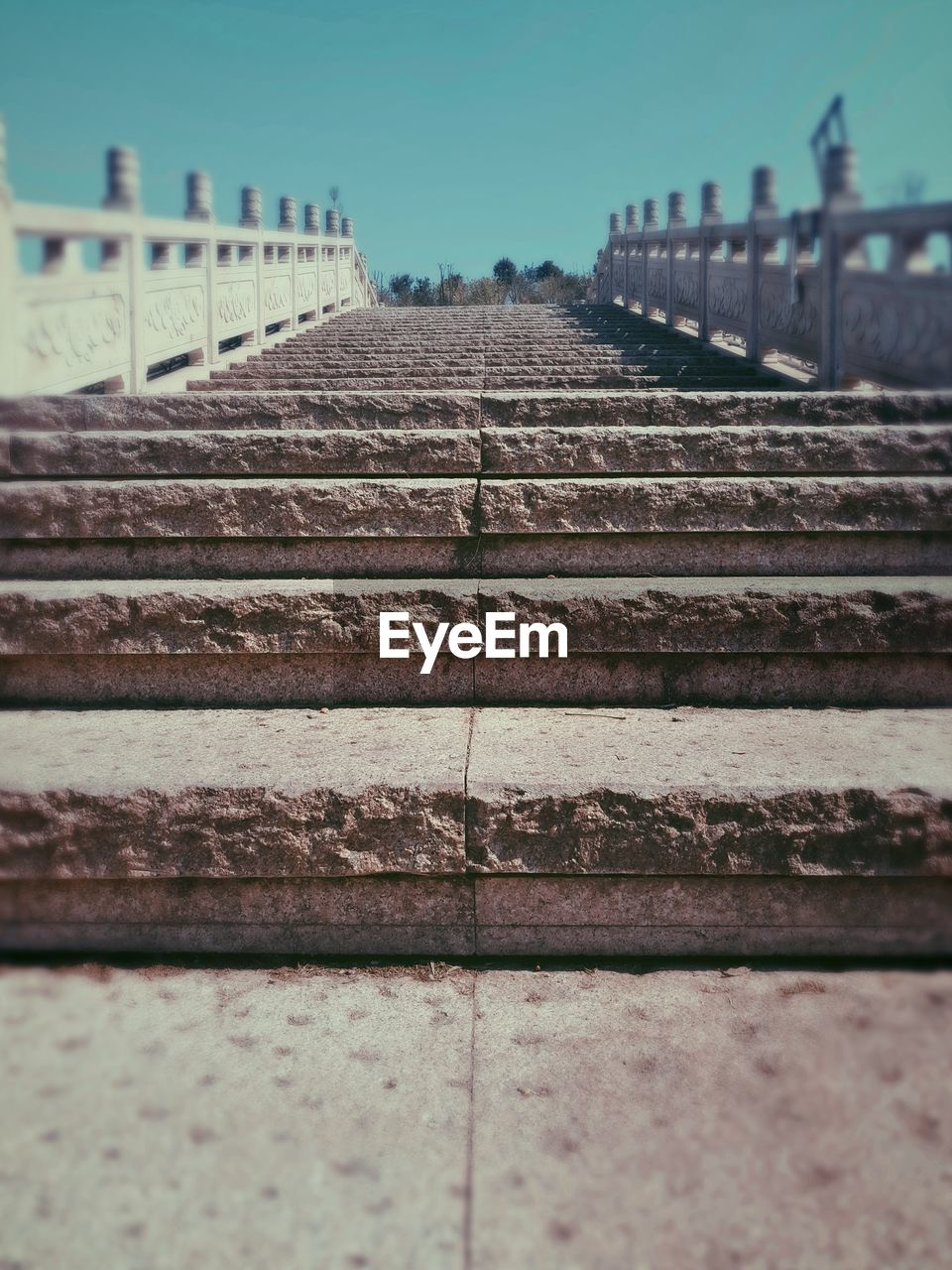 steps, railing, steps and staircases, staircase, outdoors, no people, architecture, day, sky, close-up