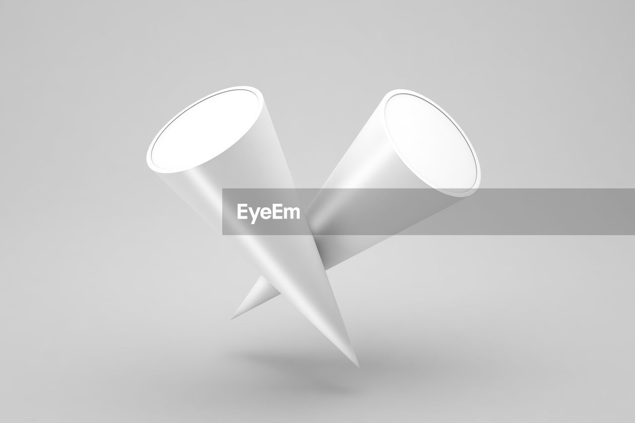 HIGH ANGLE VIEW OF ELECTRIC LAMP ON TABLE