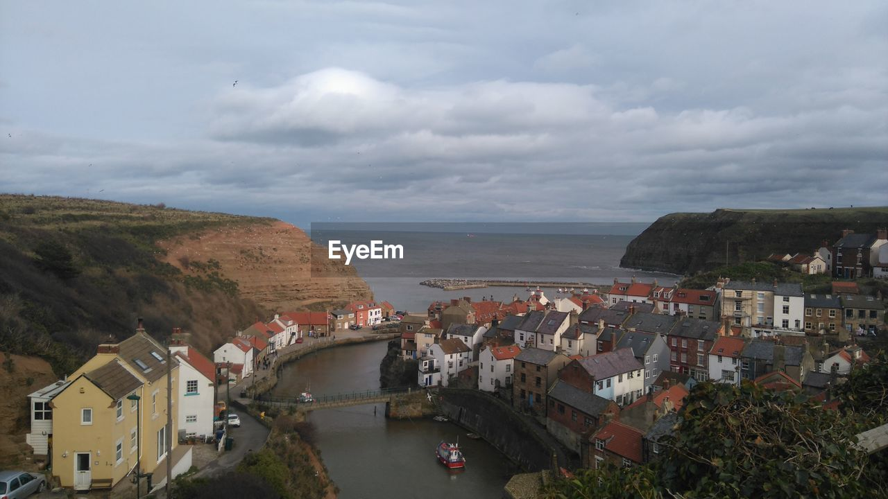 Buildings Against Sea At Staithes
