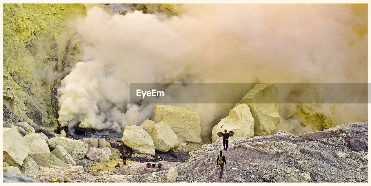 Miners Extract Pure Sulfur From Volcanic Crater