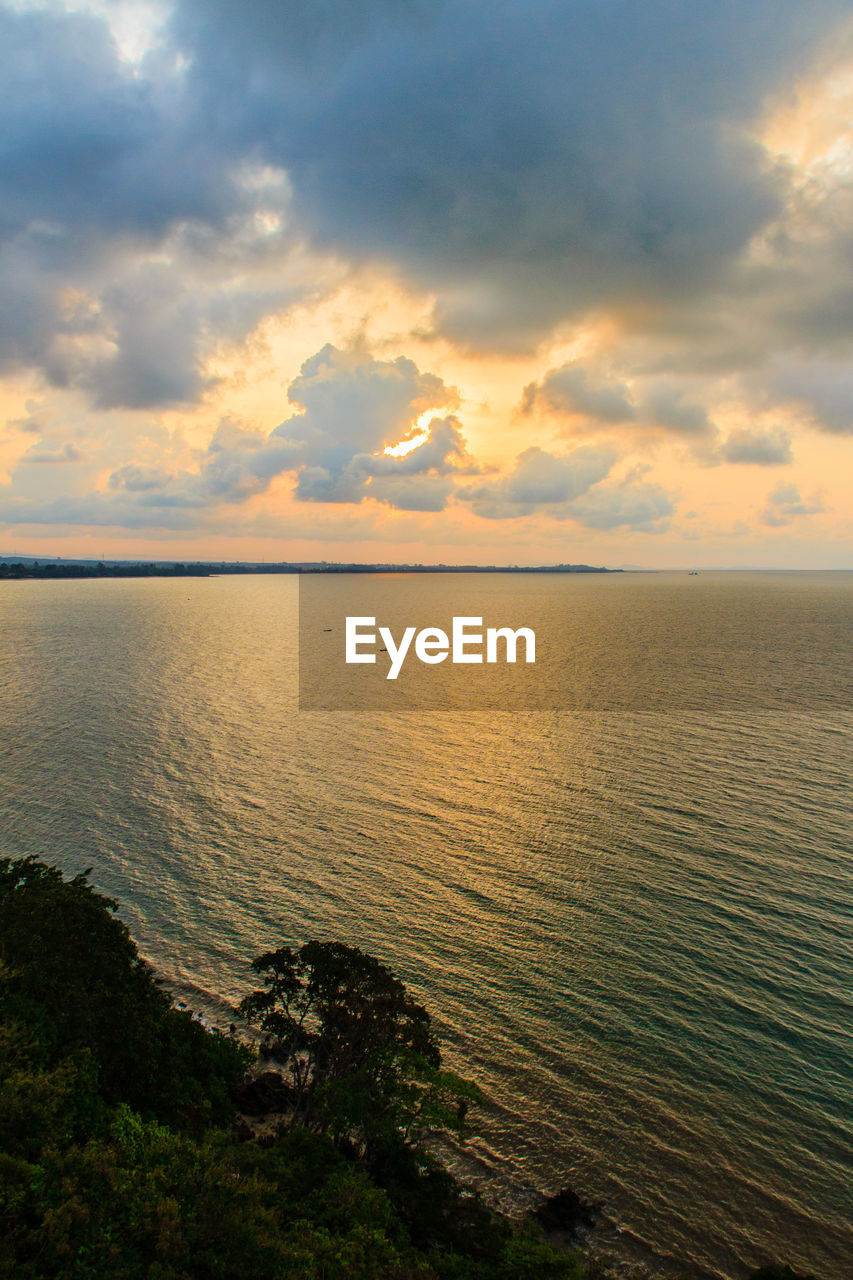 sea, scenics, tranquil scene, tranquility, beauty in nature, sky, water, nature, cloud - sky, sunset, horizon over water, idyllic, outdoors, beach, no people, rippled, day