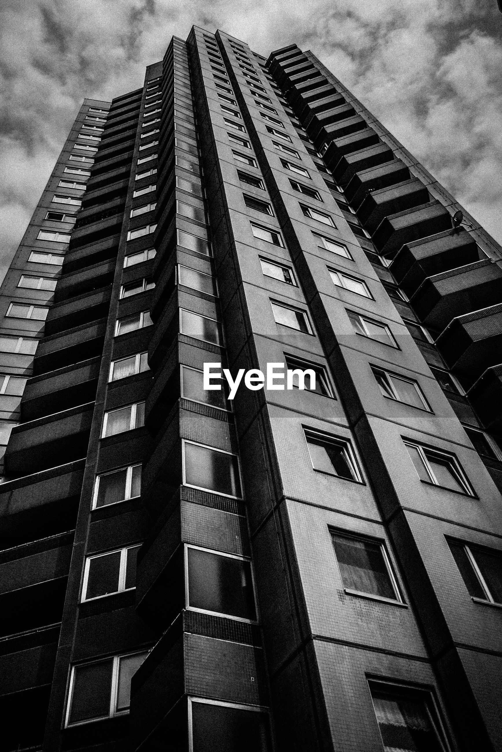 LOW ANGLE VIEW OF SKYSCRAPER