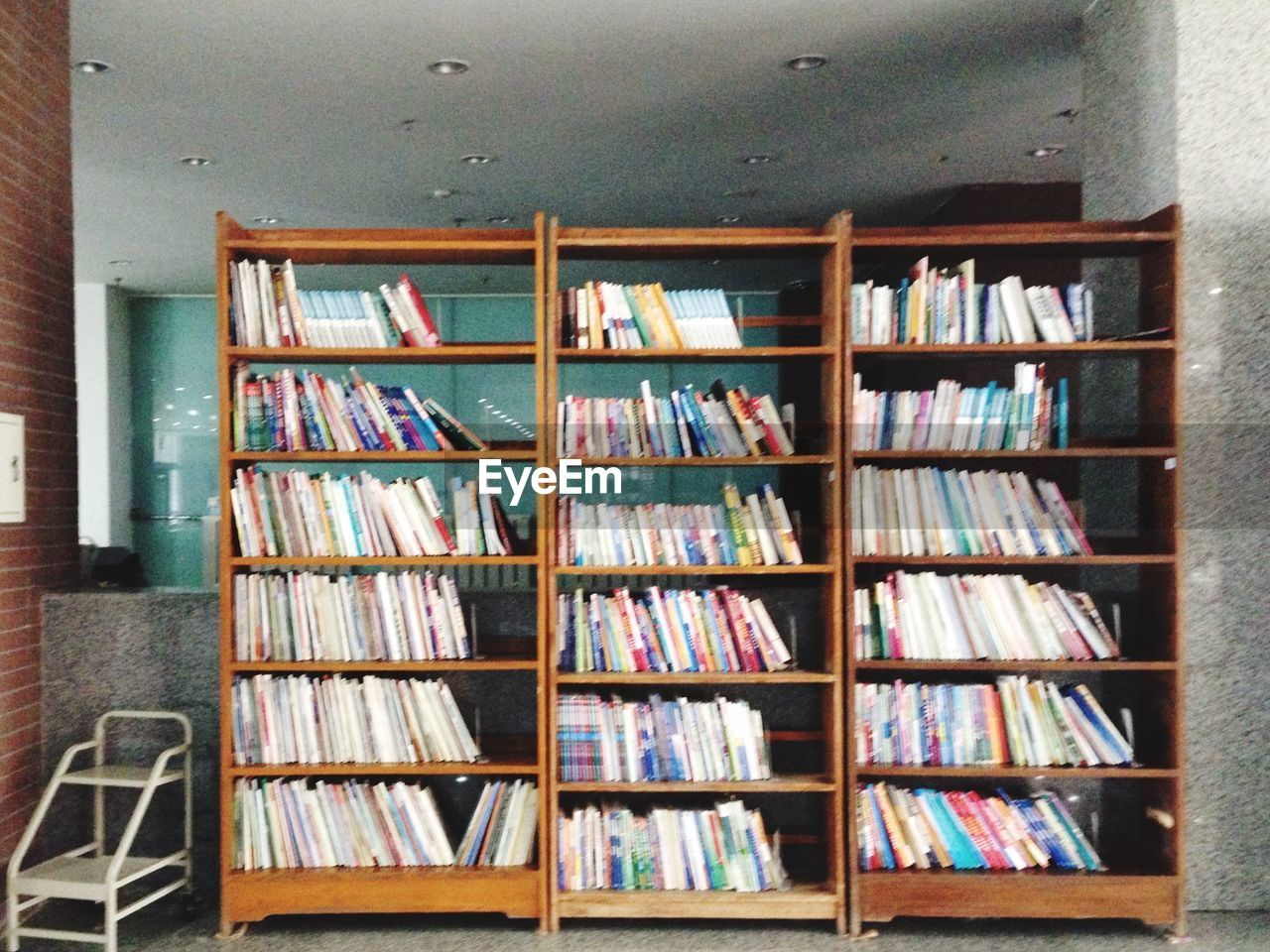bookshelf, book, shelf, indoors, library, large group of objects, no people, variation, choice, music, literature, education, day