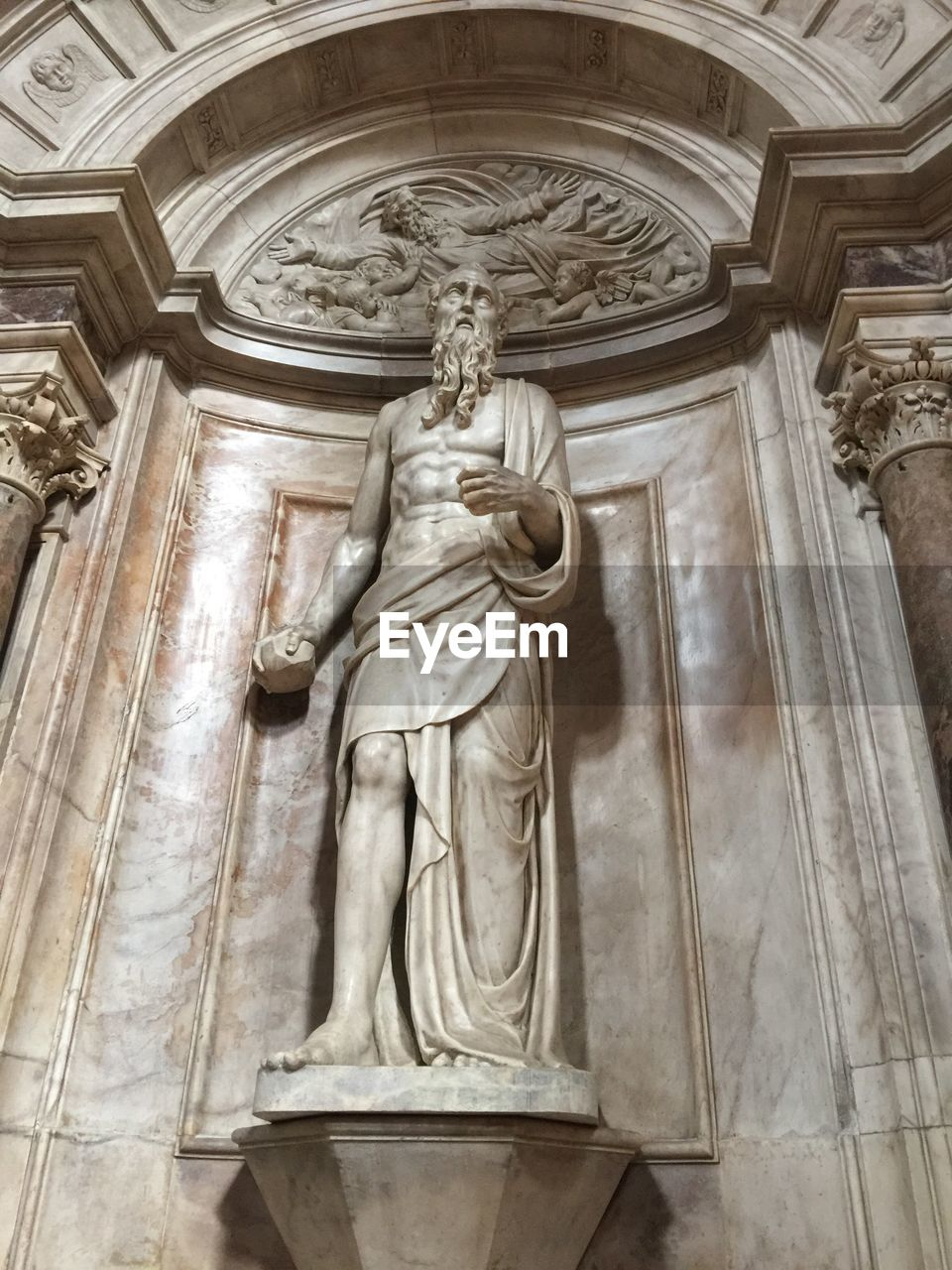statue, male likeness, human representation, sculpture, female likeness, low angle view, travel destinations, history, no people, day, indoors