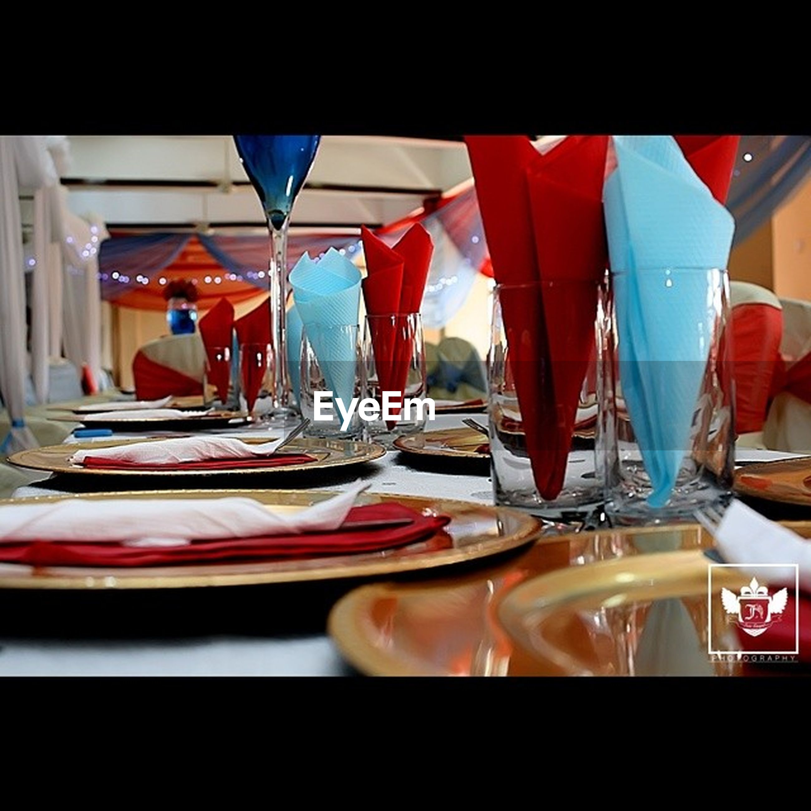indoors, table, glass - material, still life, arrangement, in a row, variation, restaurant, multi colored, absence, large group of objects, transparent, window, order, no people, glass, empty, side by side, food and drink, group of objects