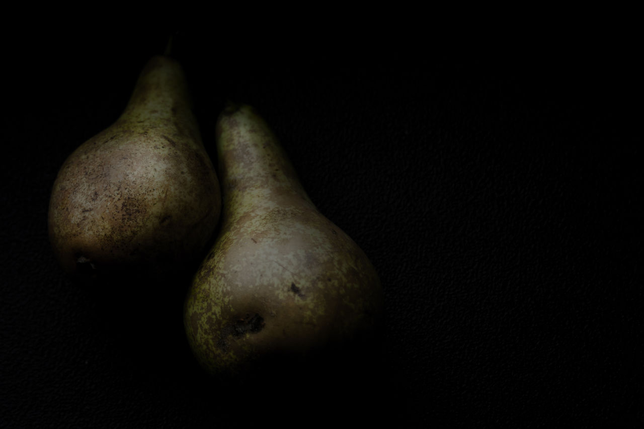 food and drink, still life, food, healthy eating, black background, studio shot, vegetable, no people, freshness, close-up, fruit, indoors, raw potato, day