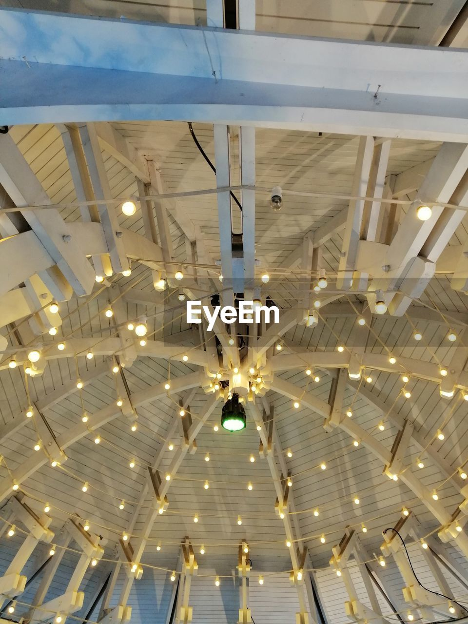 illuminated, lighting equipment, ceiling, indoors, low angle view, hanging, architecture, decoration, no people, built structure, light, pattern, electricity, electric light, glowing, arts culture and entertainment, building, luxury, night, electric lamp