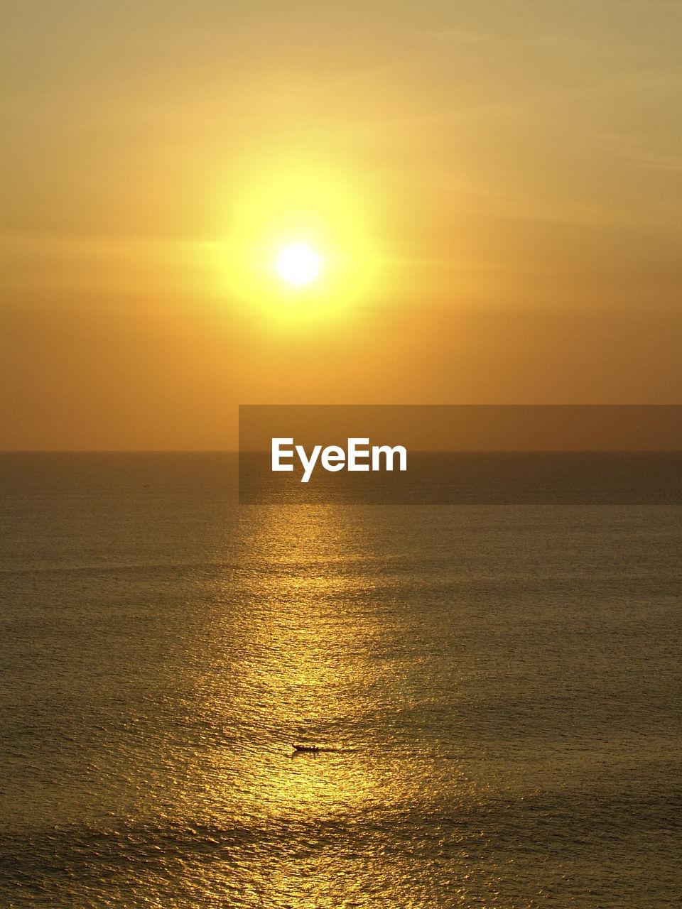 sky, sunset, water, scenics - nature, sea, beauty in nature, sun, horizon over water, horizon, tranquility, tranquil scene, sunlight, waterfront, orange color, idyllic, reflection, nature, non-urban scene, no people, outdoors