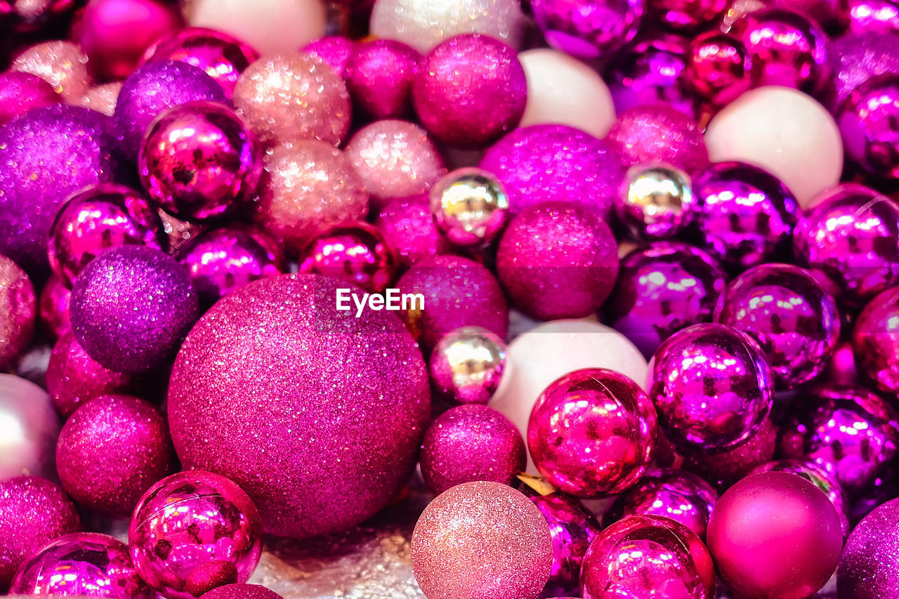 backgrounds, full frame, close-up, food and drink, large group of objects, purple, food, freshness, healthy eating, no people, abundance, indoors, still life, sphere, fruit, selective focus, wellbeing, ball, shiny, pink color