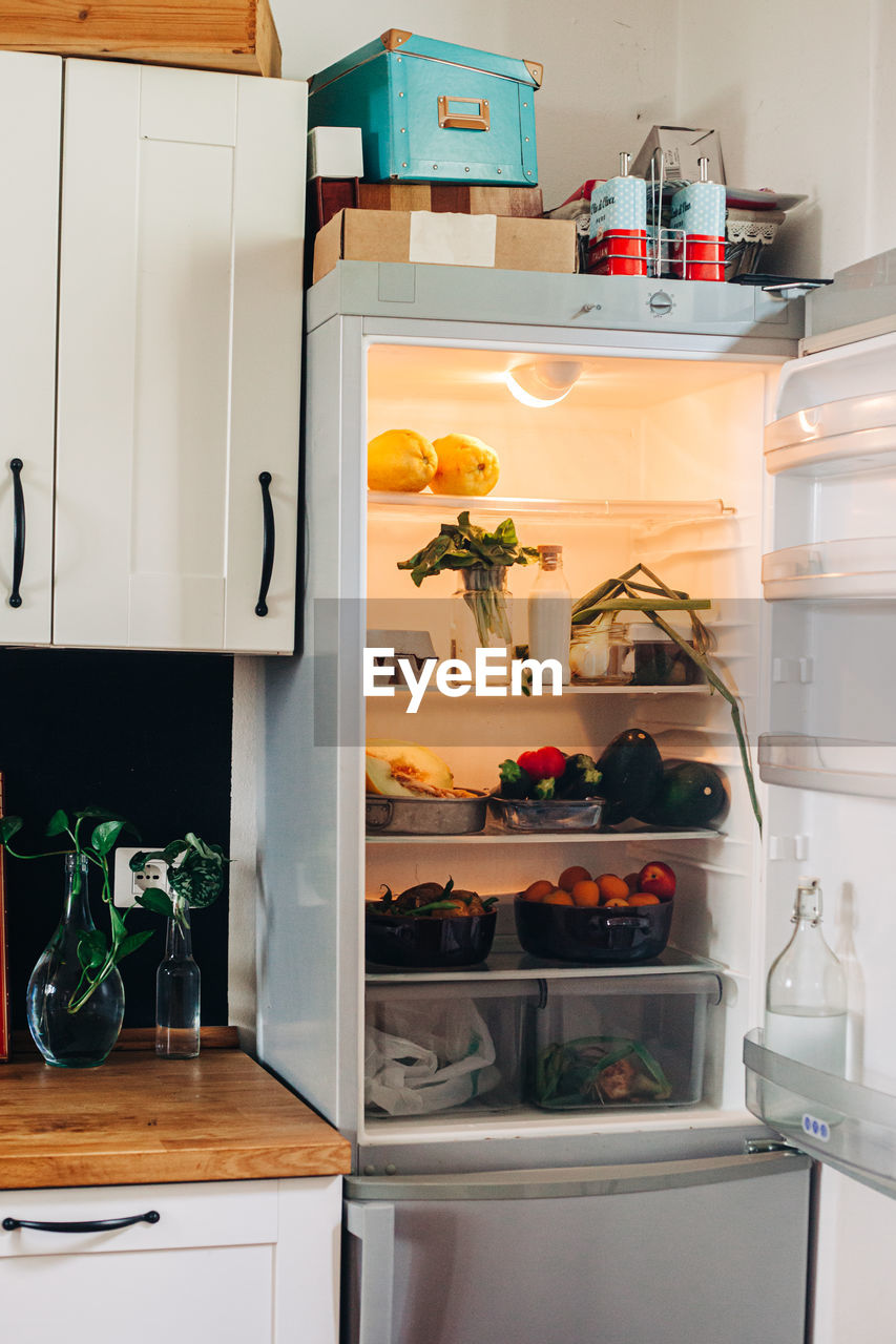 VIEW OF FOOD AT HOME