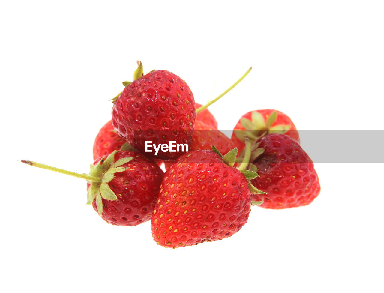 fruit, studio shot, healthy eating, red, food and drink, freshness, berry fruit, white background, food, wellbeing, close-up, strawberry, indoors, still life, no people, group of objects, cut out, copy space, ripe, medium group of objects, lychee, dieting