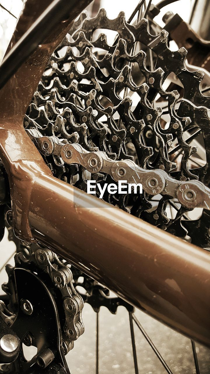 metal, no people, high angle view, close-up, indoors, day, freshness