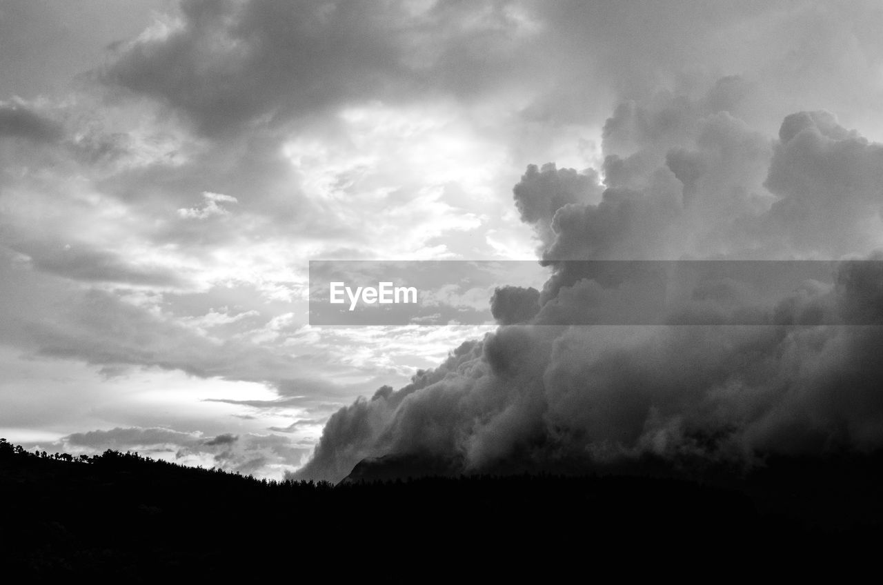 Low Angle View Of Dramatic Cloudy Sky