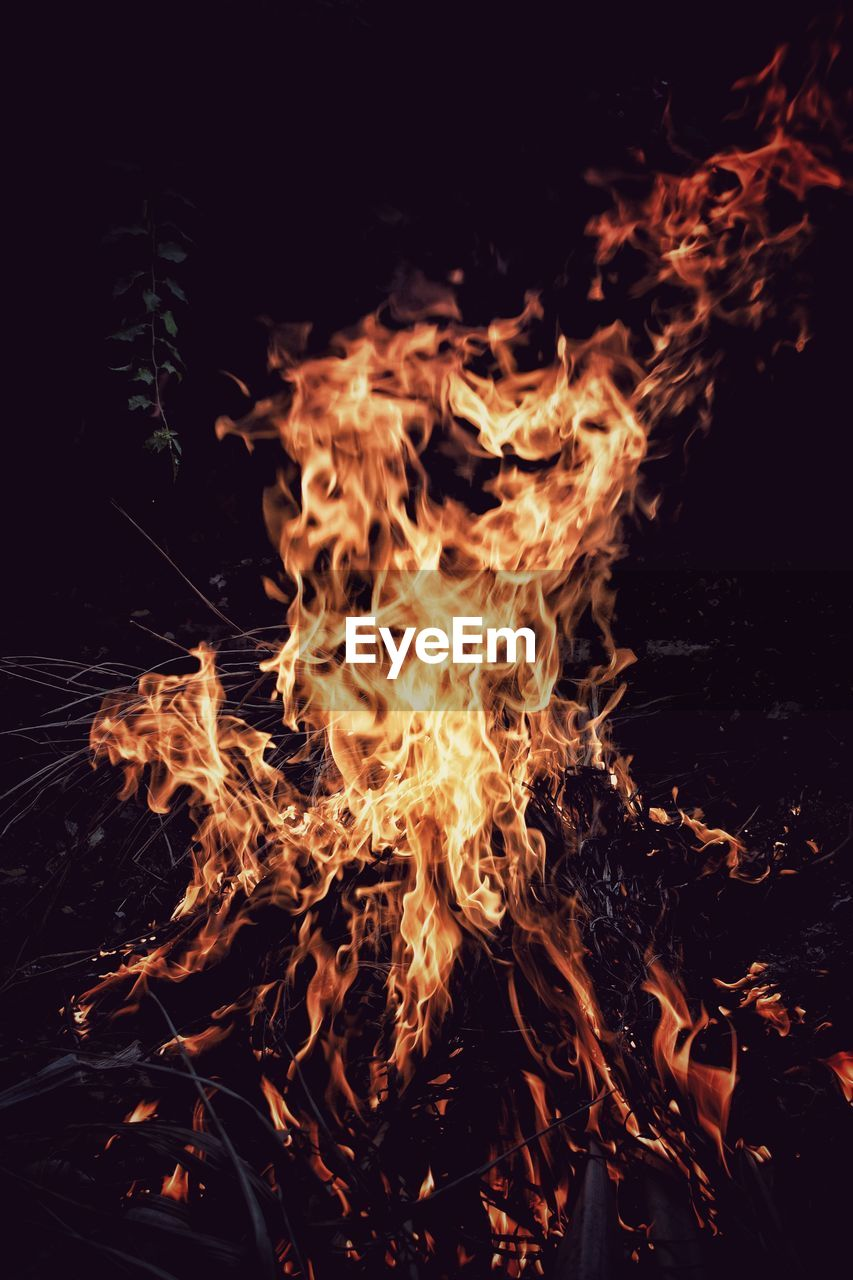 night, burning, no people, flame, campfire, close-up, outdoors, bonfire, heat - temperature, nature
