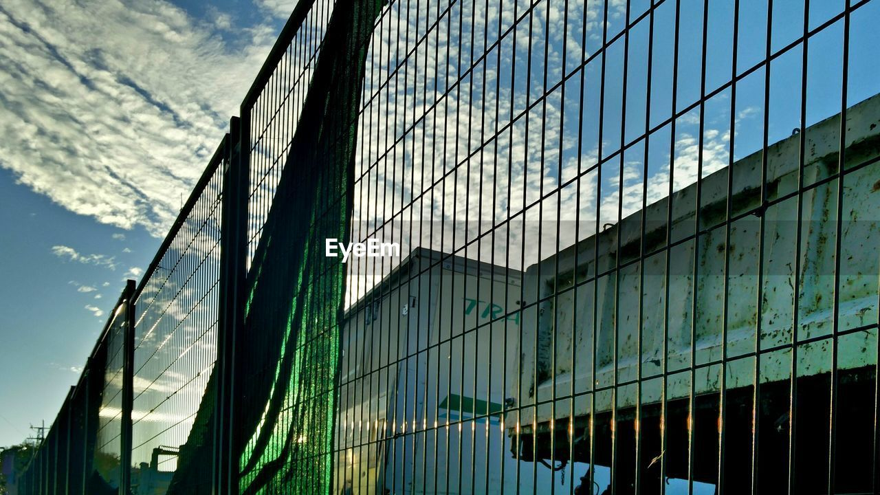 reflection, window, building exterior, no people, architecture, day, outdoors, built structure, modern, sky