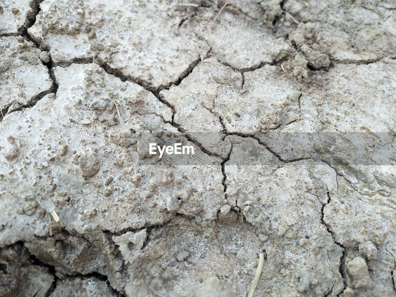 textured, full frame, backgrounds, cracked, dry, no people, pattern, close-up, nature, day, drought, arid climate, climate, rough, environment, scenics - nature, solid, outdoors, geology, mud, textured effect