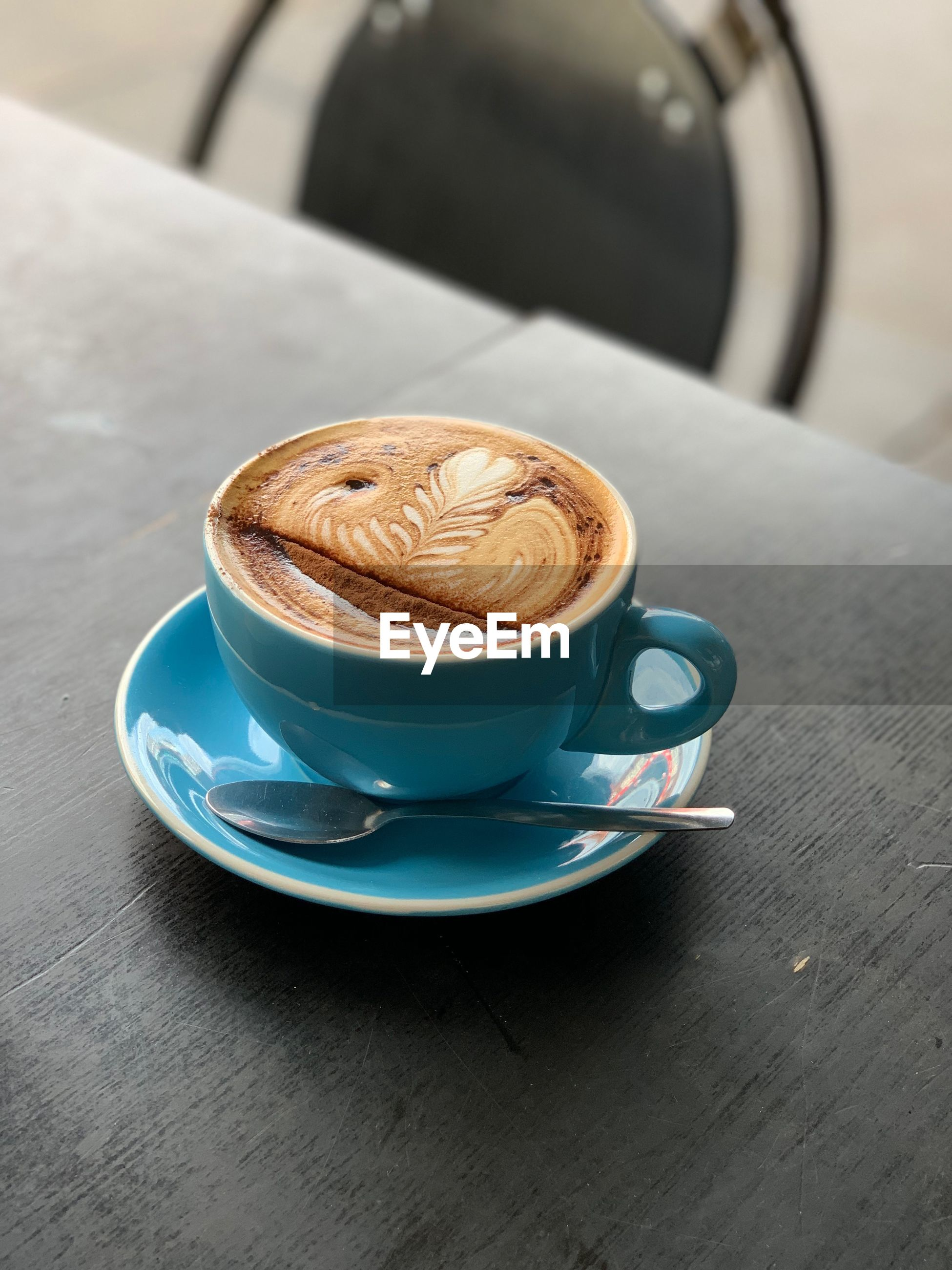 CLOSE-UP OF CAPPUCCINO