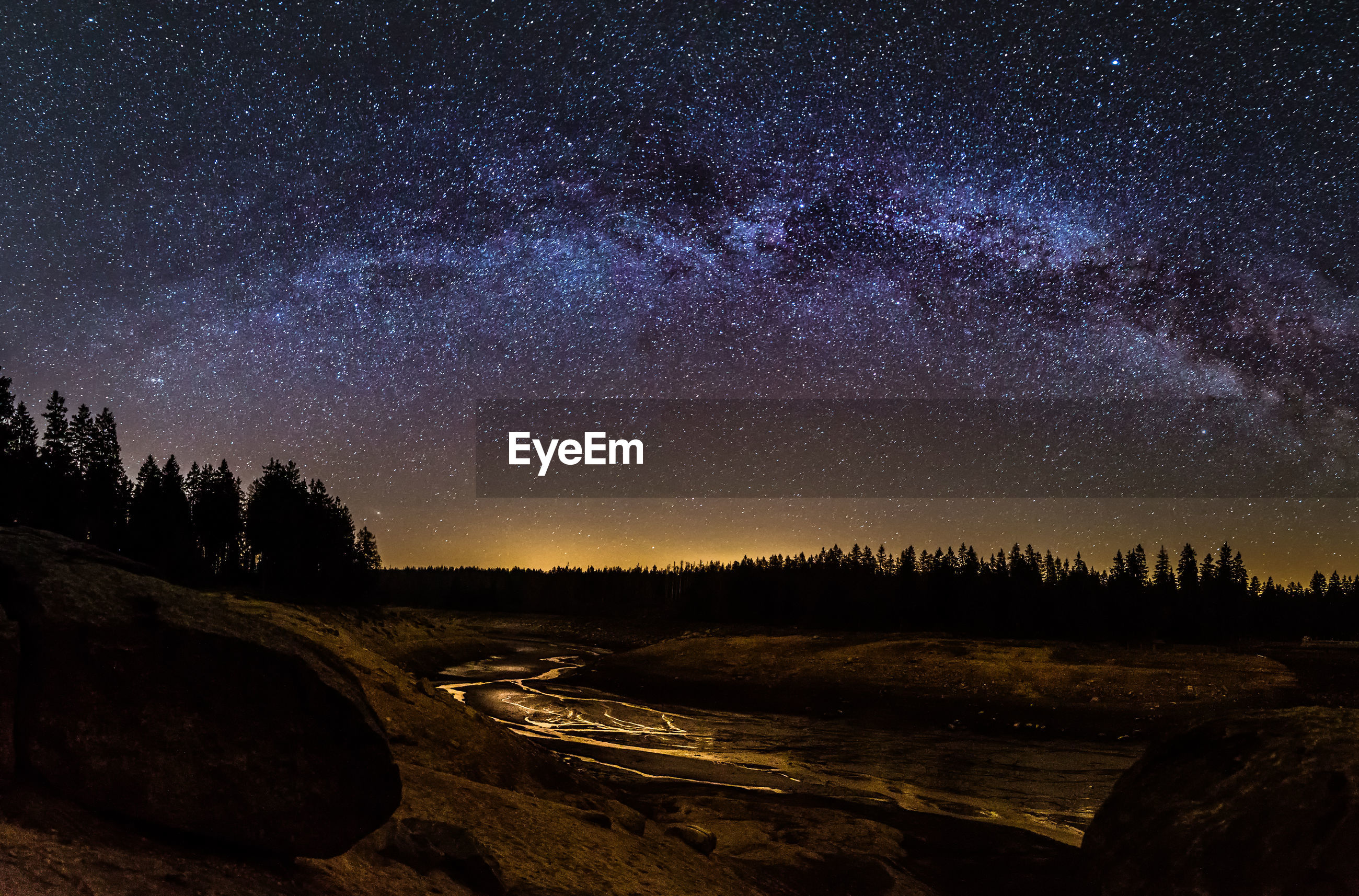 SCENIC VIEW OF STAR FIELD AGAINST SKY