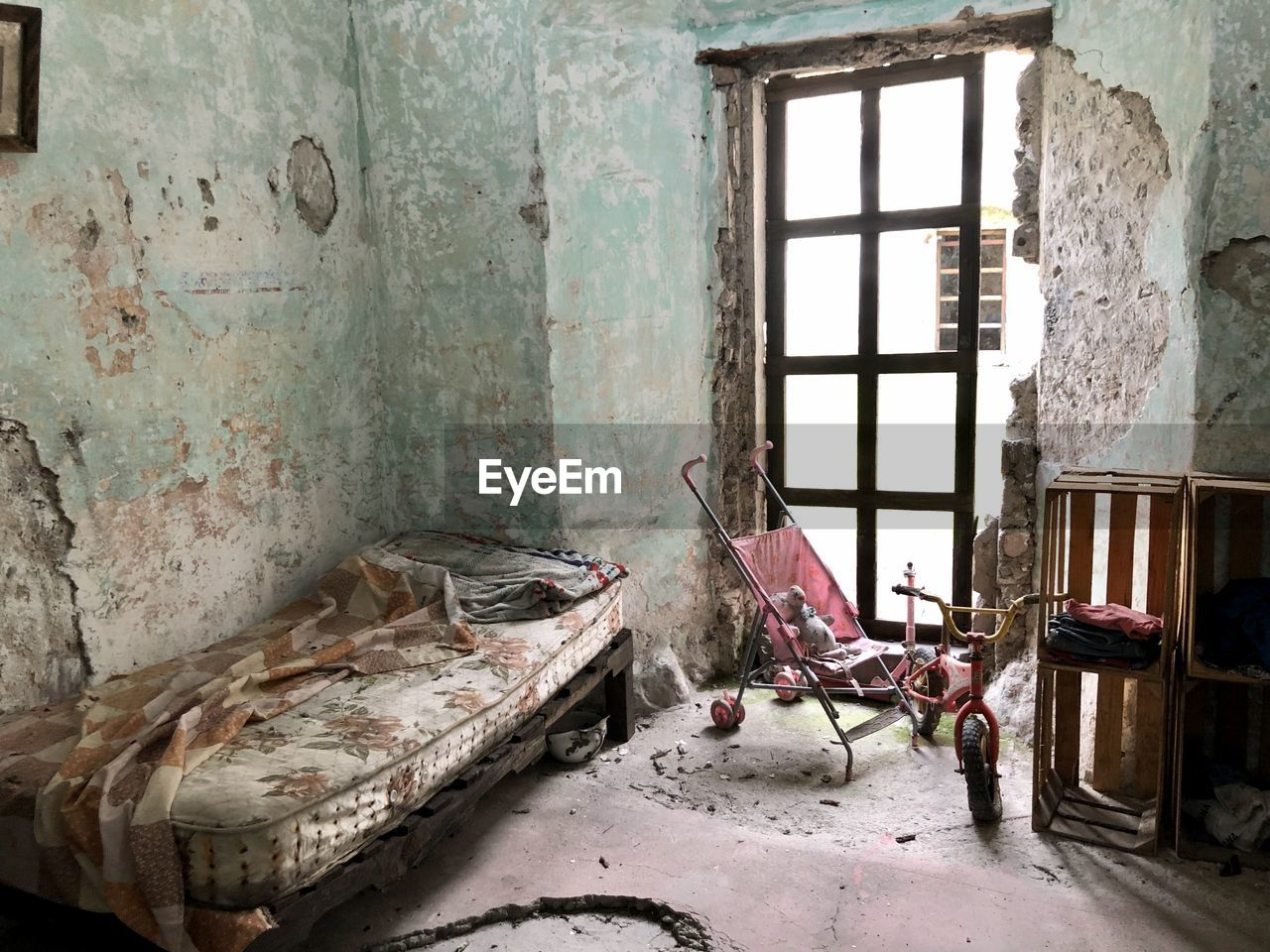ABANDONED HOUSE IN ROOM