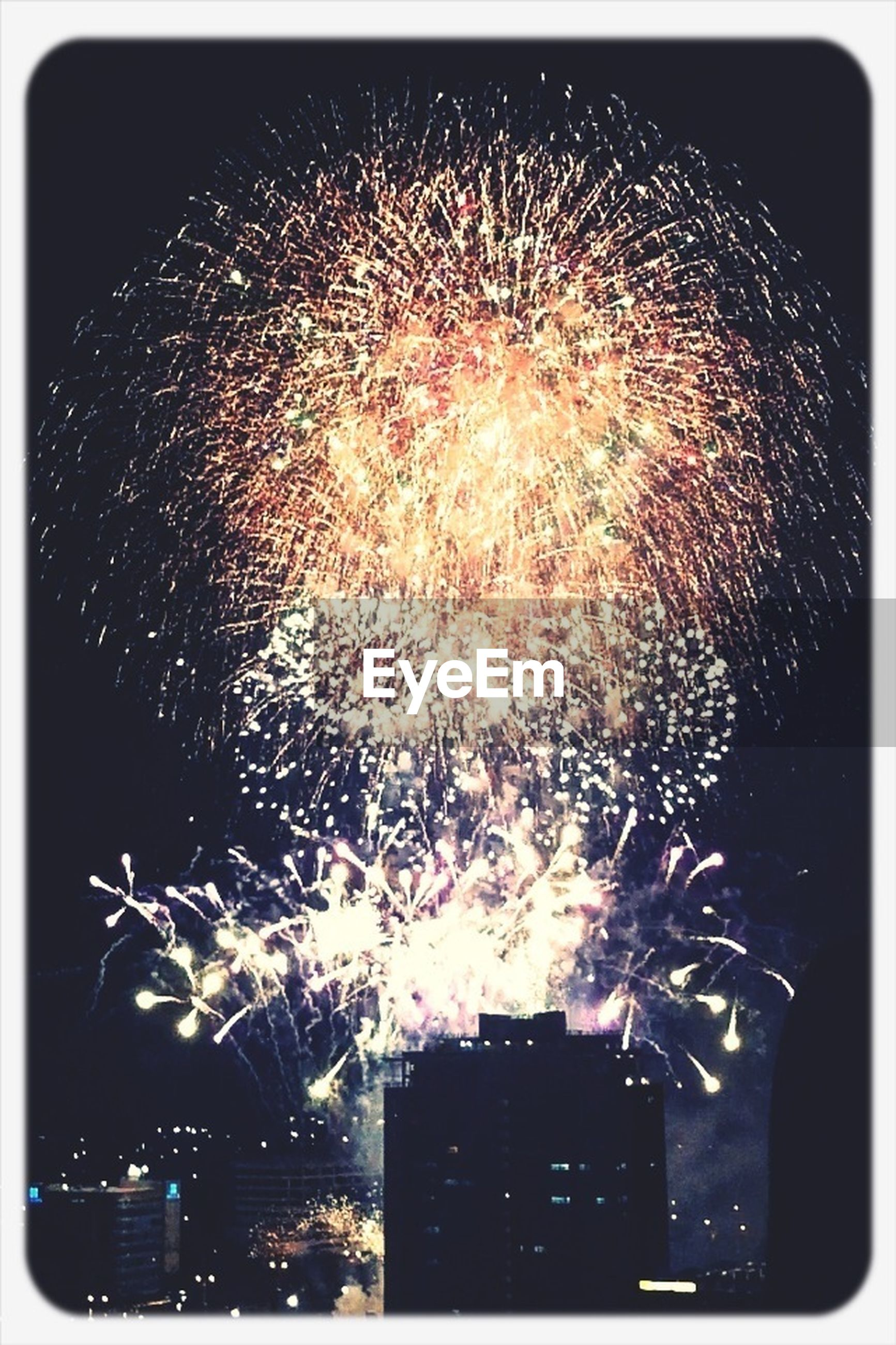 firework display, night, illuminated, transfer print, celebration, exploding, firework - man made object, sparks, long exposure, glowing, motion, arts culture and entertainment, low angle view, event, firework, blurred motion, auto post production filter, entertainment, fire - natural phenomenon, sky