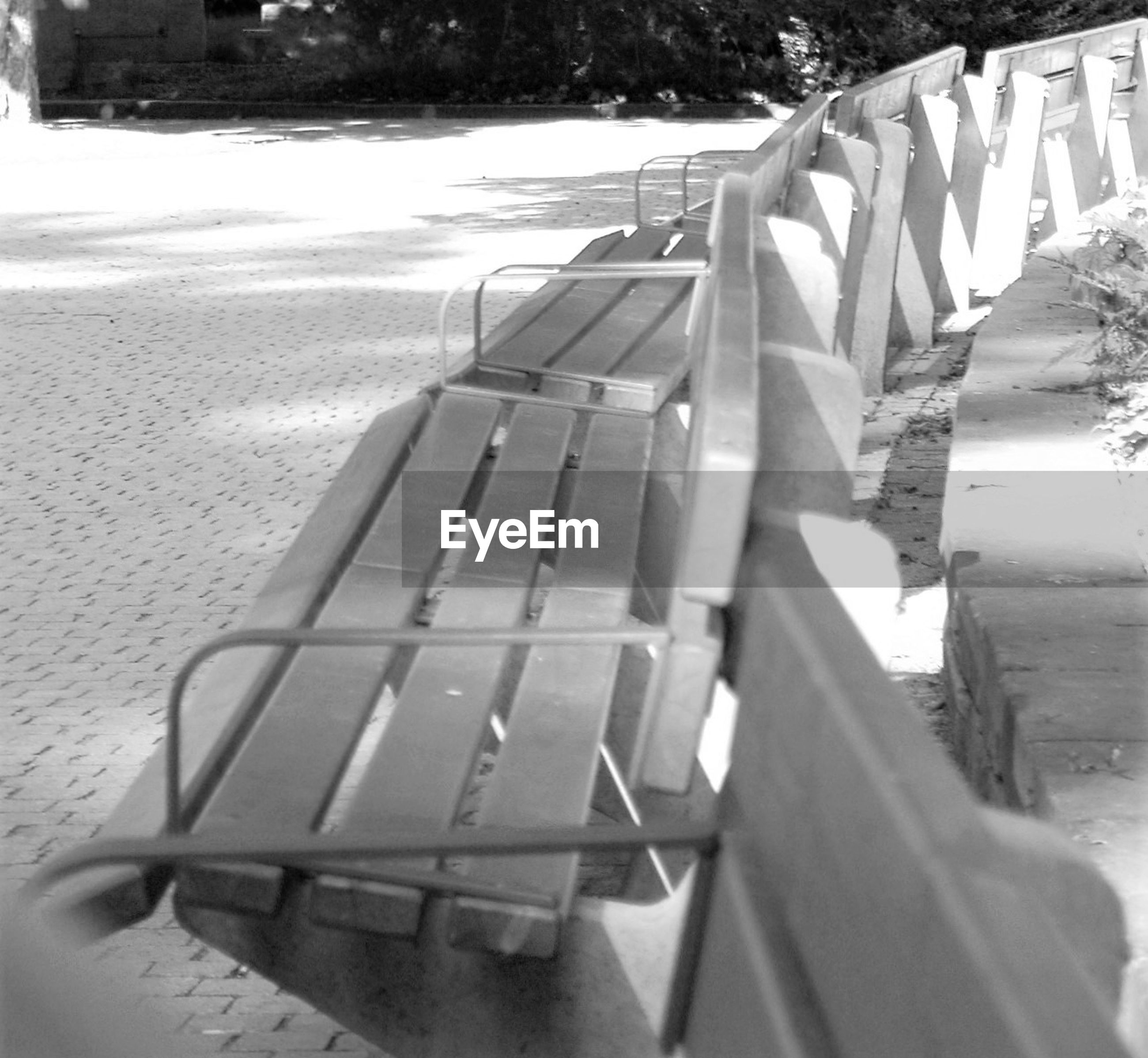 EMPTY BENCHES IN PARK