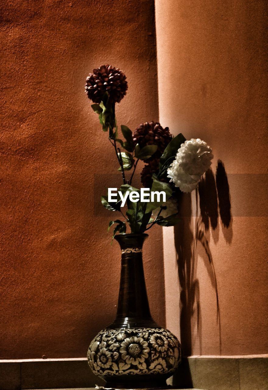 flower, vase, fragility, indoors, plant, no people, flower head, nature, beauty in nature, close-up, growth, freshness, day