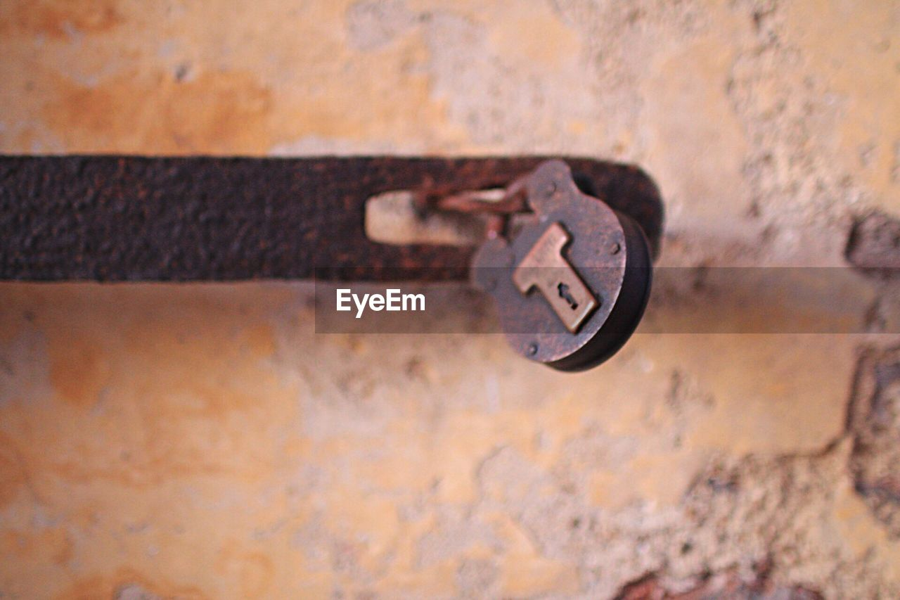 metal, rusty, no people, abandoned, close-up, damaged, day, outdoors, latch