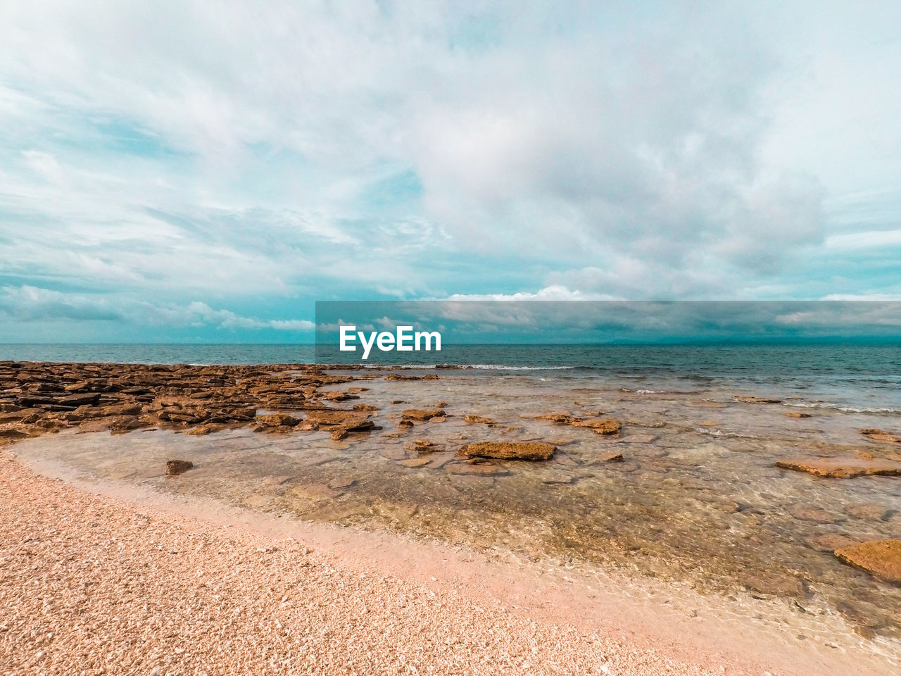 sea, sky, scenics, horizon over water, water, nature, beauty in nature, tranquility, cloud - sky, beach, tranquil scene, outdoors, sand, day, no people