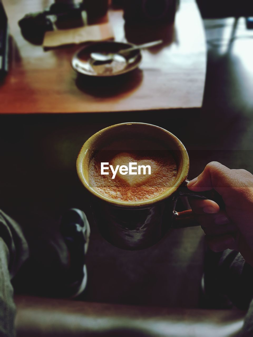 human hand, drink, food and drink, hand, coffee, refreshment, human body part, coffee - drink, mug, cup, coffee cup, one person, real people, holding, indoors, lifestyles, freshness, hot drink, frothy drink, body part, finger, latte, coffee shop, crockery, non-alcoholic beverage, barista